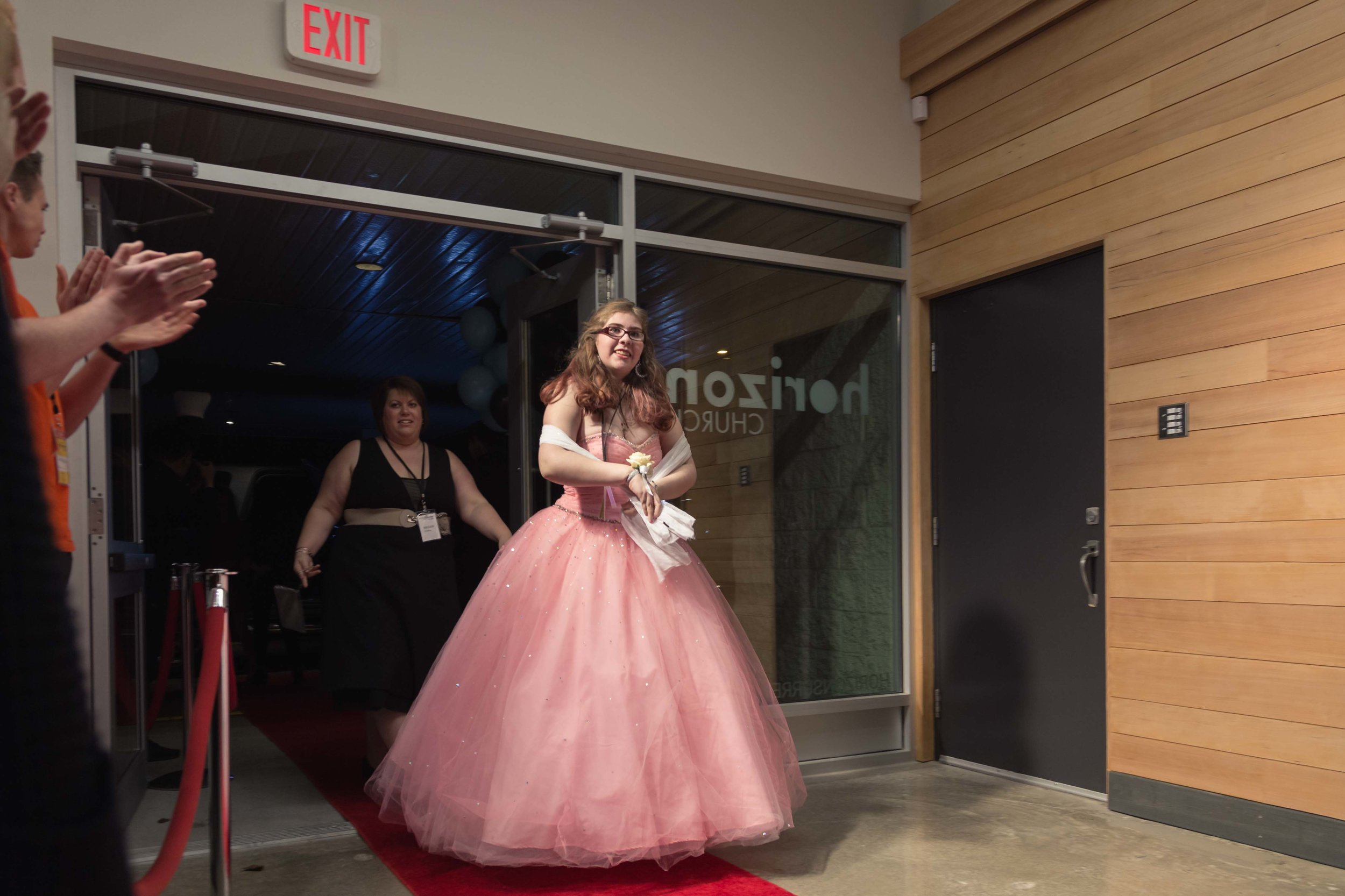 InBetweenDreamsWedding_NightToShine2018_HorizonChurch (262 of 514).jpg