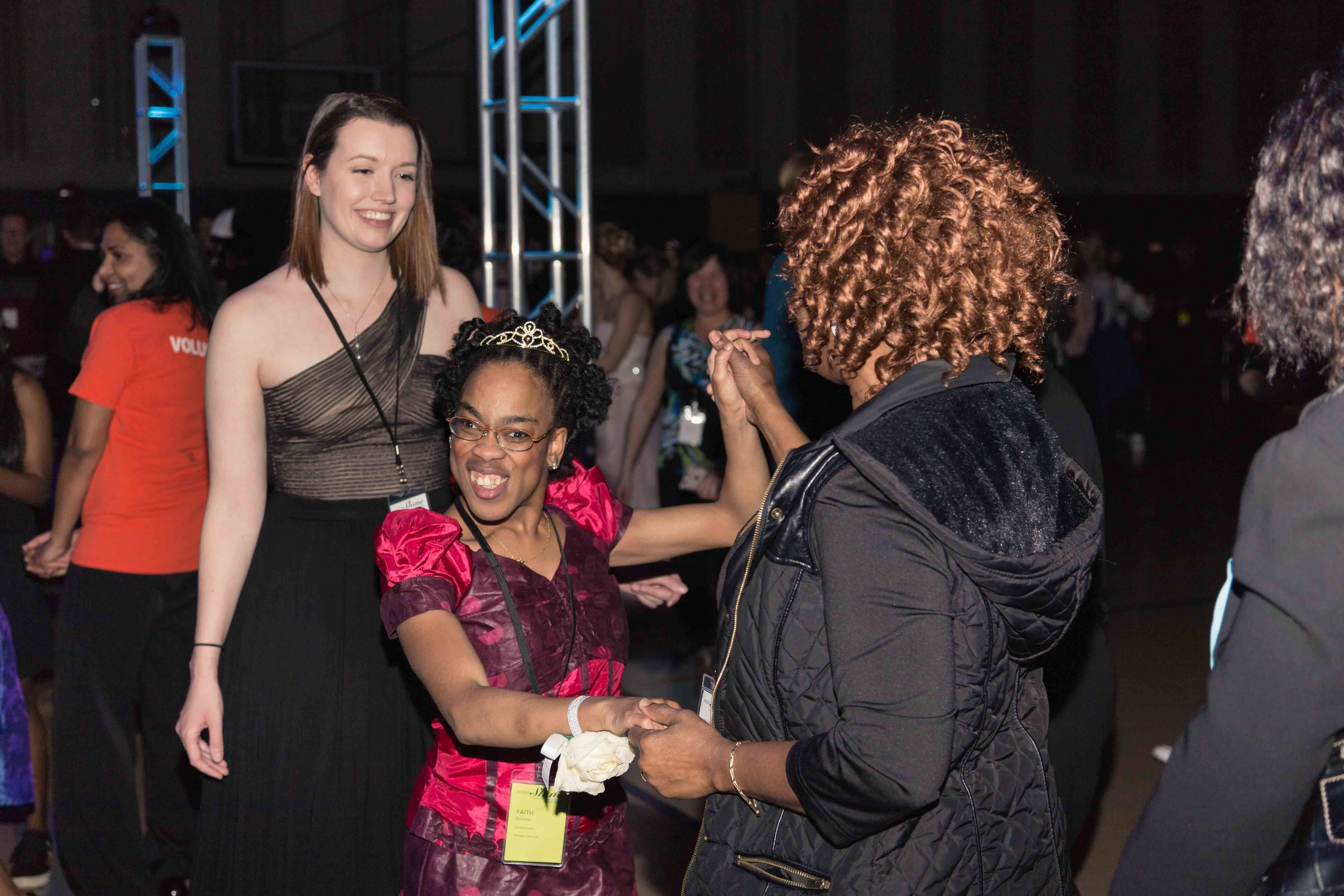 InBetweenDreamsWedding_NightToShine2018_HorizonChurch (389 of 514).jpg