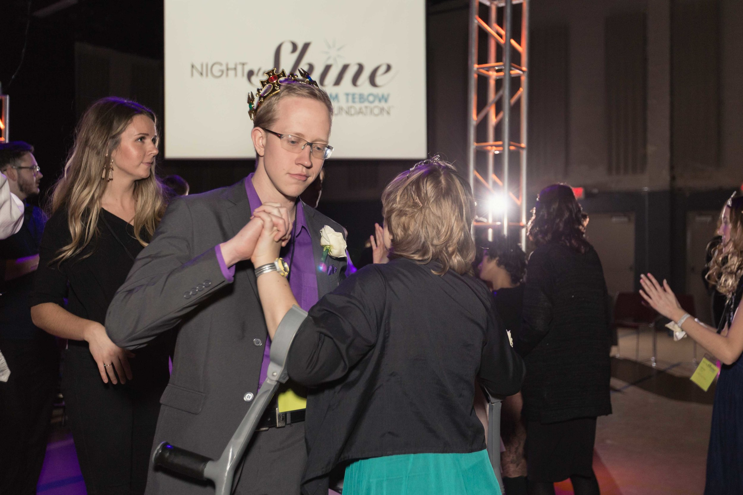 InBetweenDreamsWedding_NightToShine2018_HorizonChurch (418 of 514).jpg