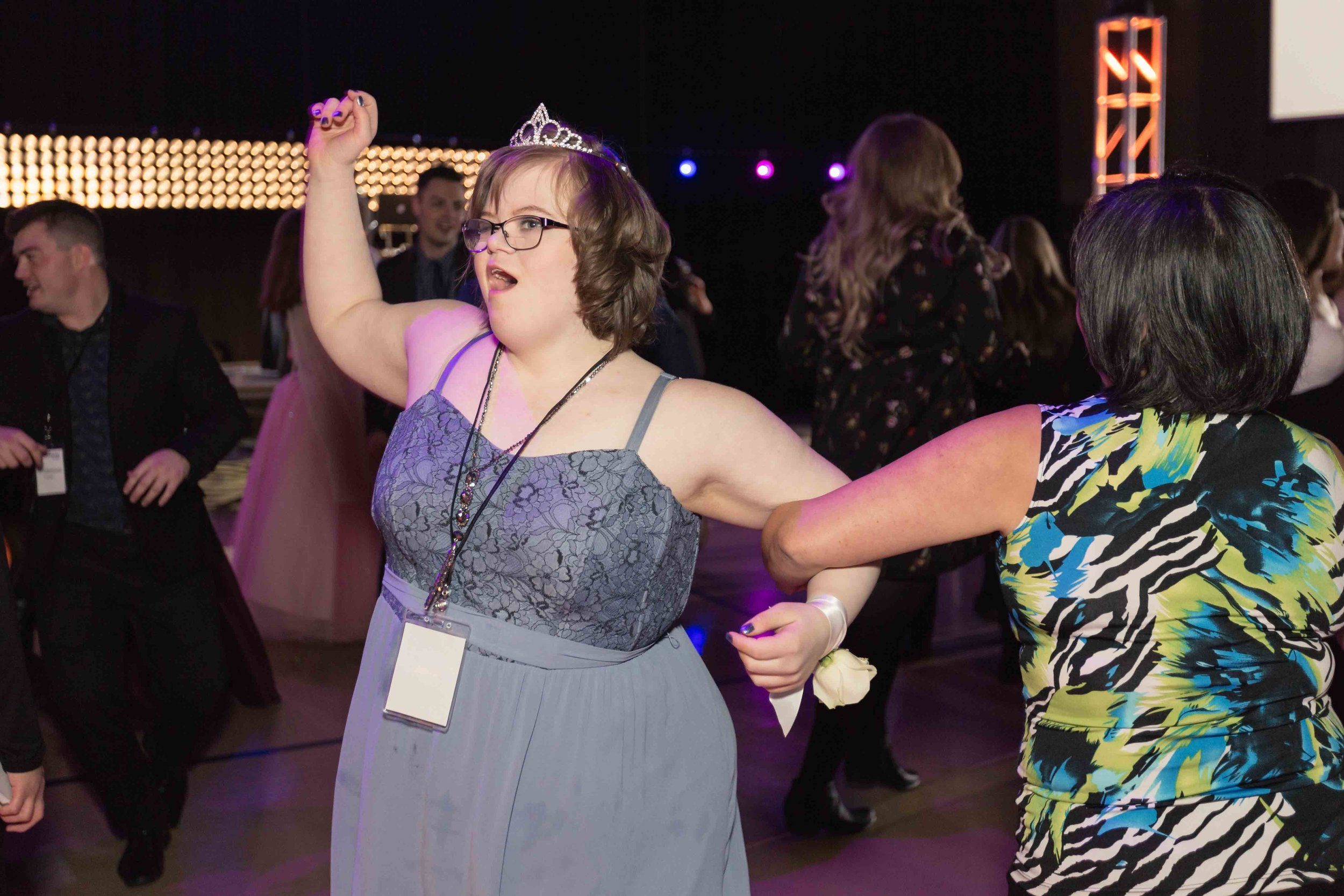 InBetweenDreamsWedding_NightToShine2018_HorizonChurch (430 of 514).jpg
