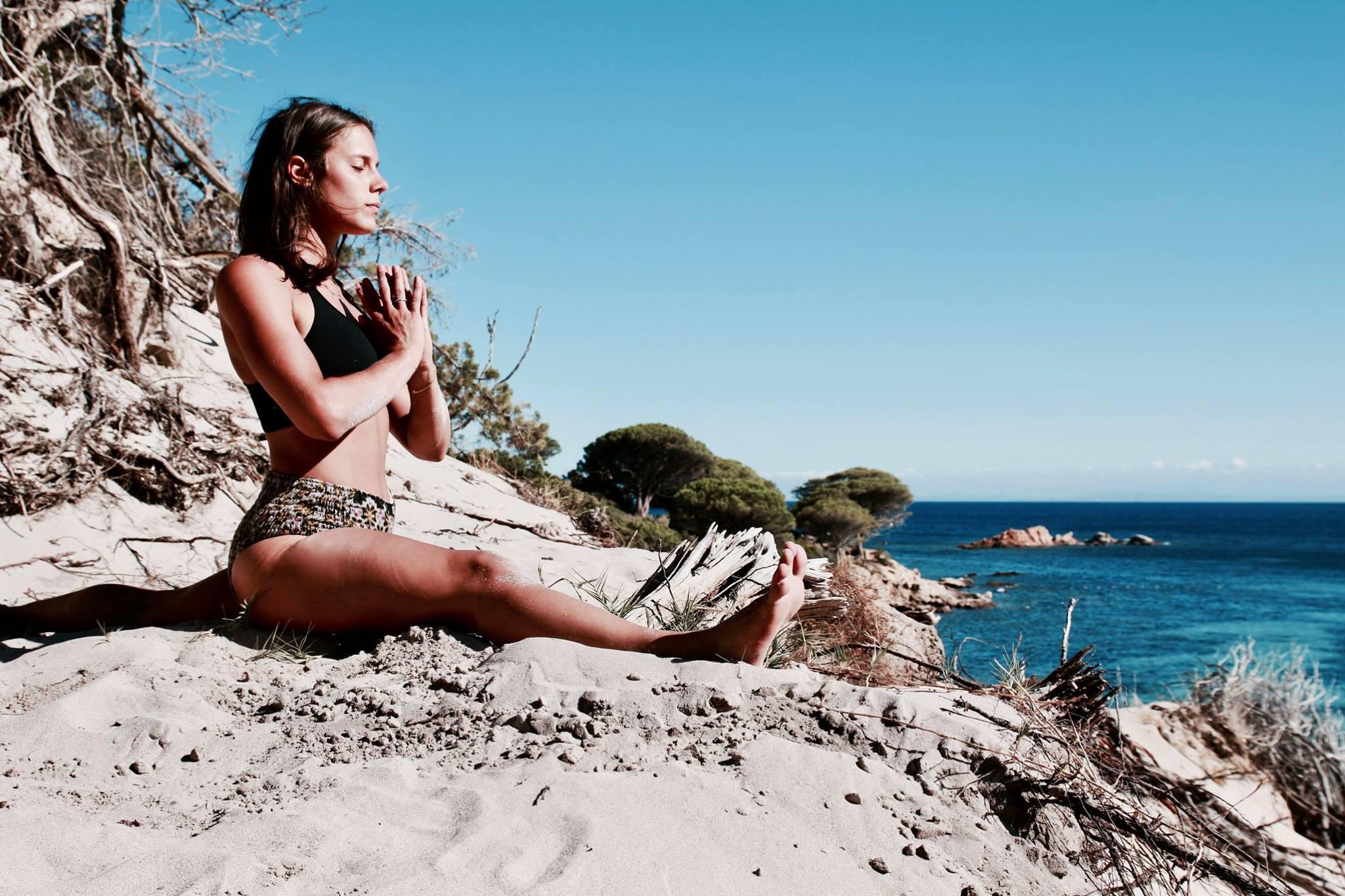 Julie Sauli Yoga - Photo l'Acciaro.jpg