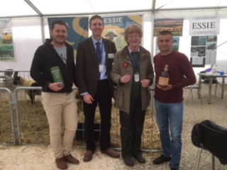 Richard Saunders & Irene Fowlie (centre) pictured with the Essie Suffolk sheep buyers