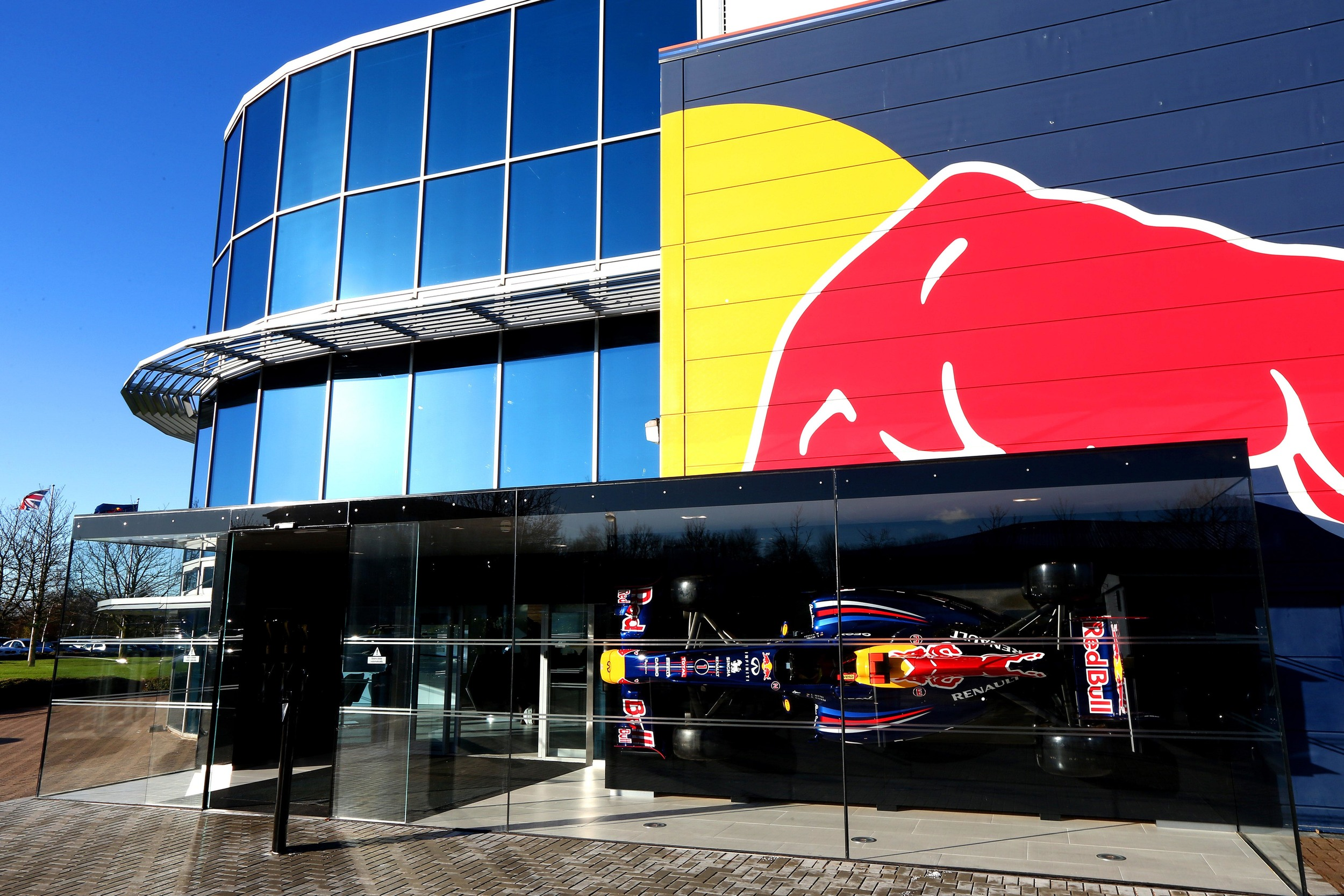 KM-SPA-Red-Bull-F1-Factory-UK.jpg