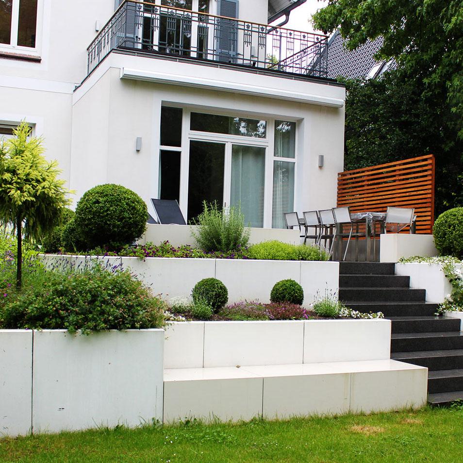 Modern  -Neuer Look für einen alten Garten