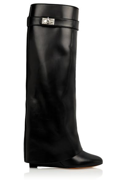 black boots.jpg