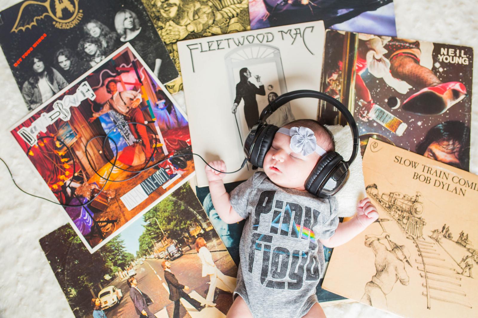 music newborn photos.jpg