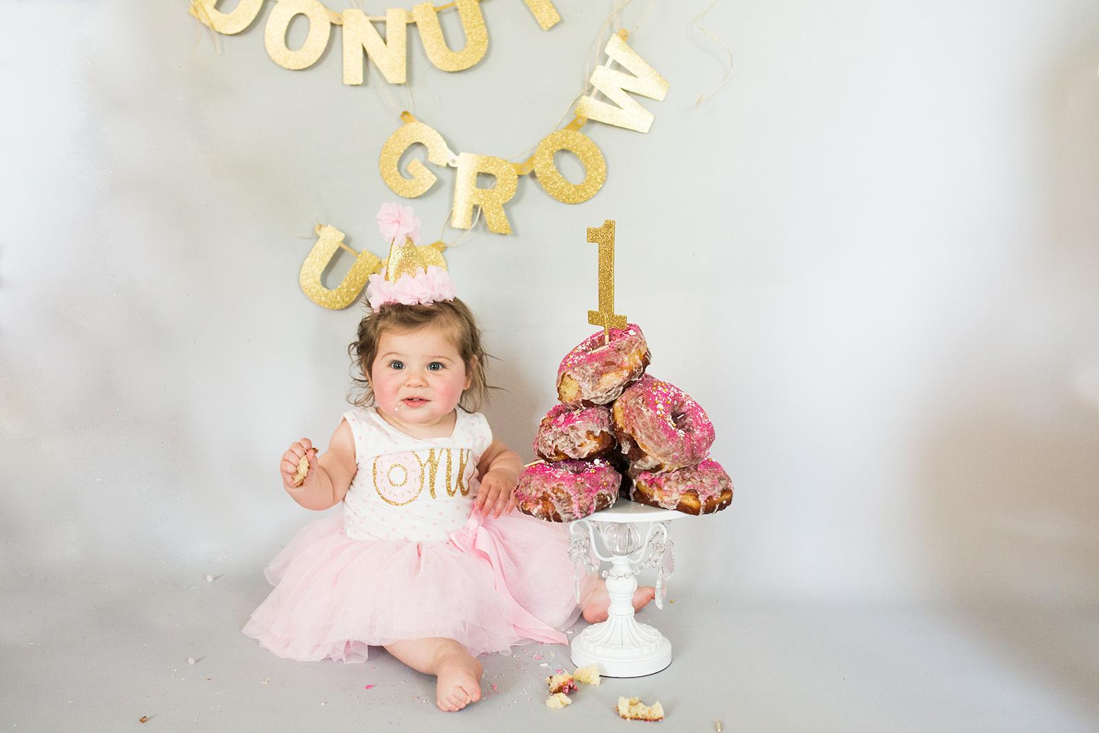 cake smash photographer.jpg