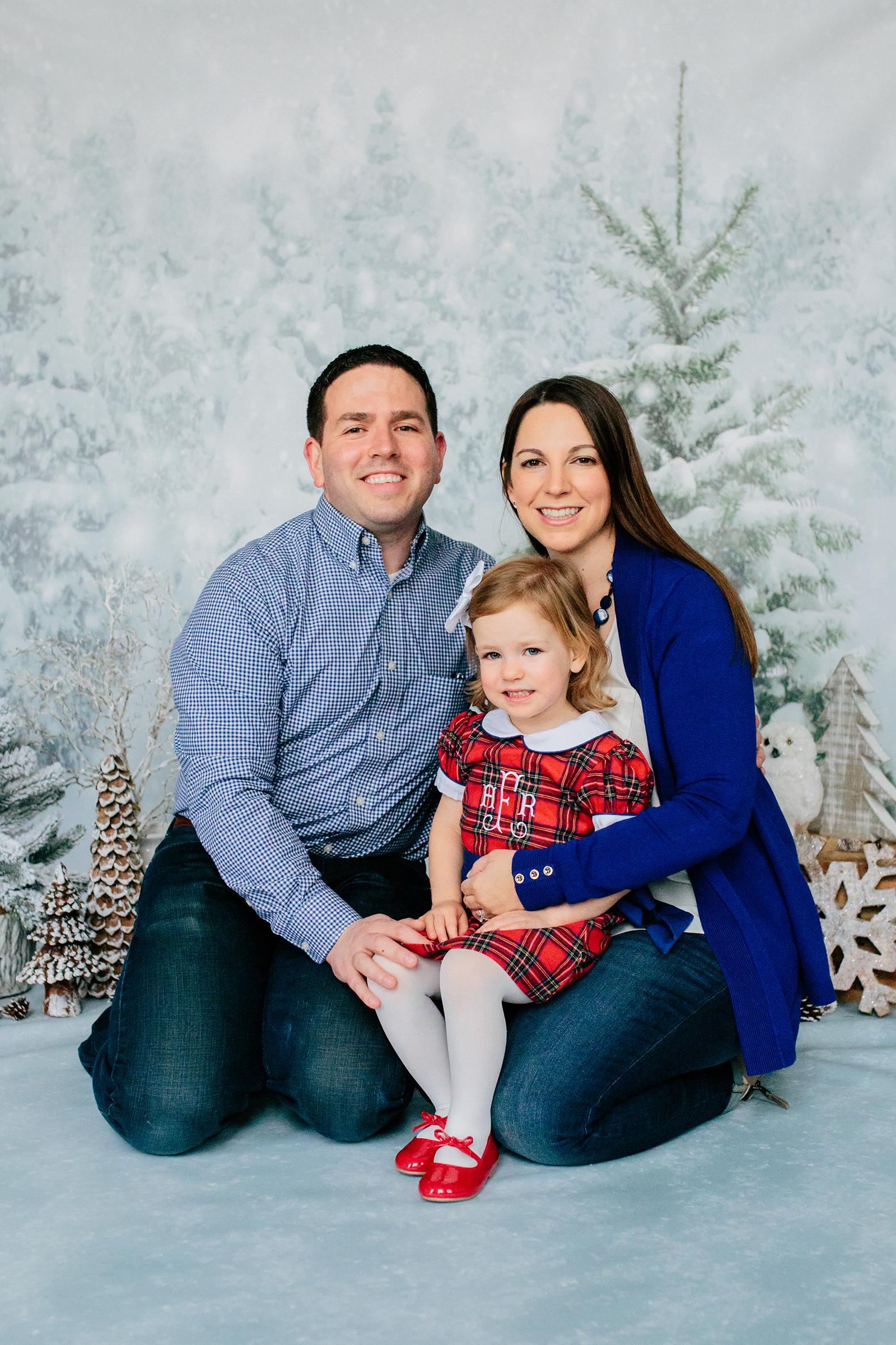 holiday family photos.jpg