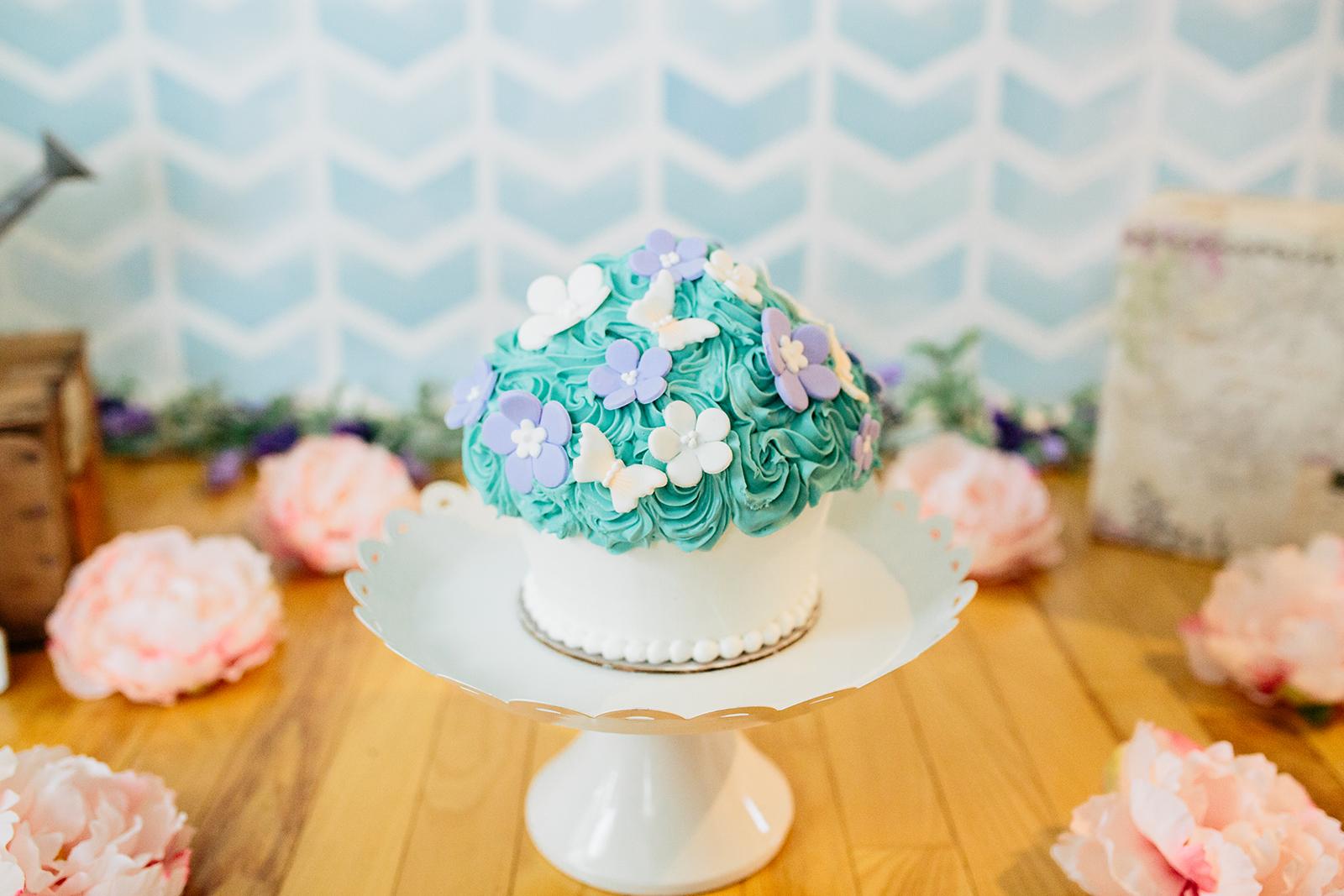 cake smash baker.jpg