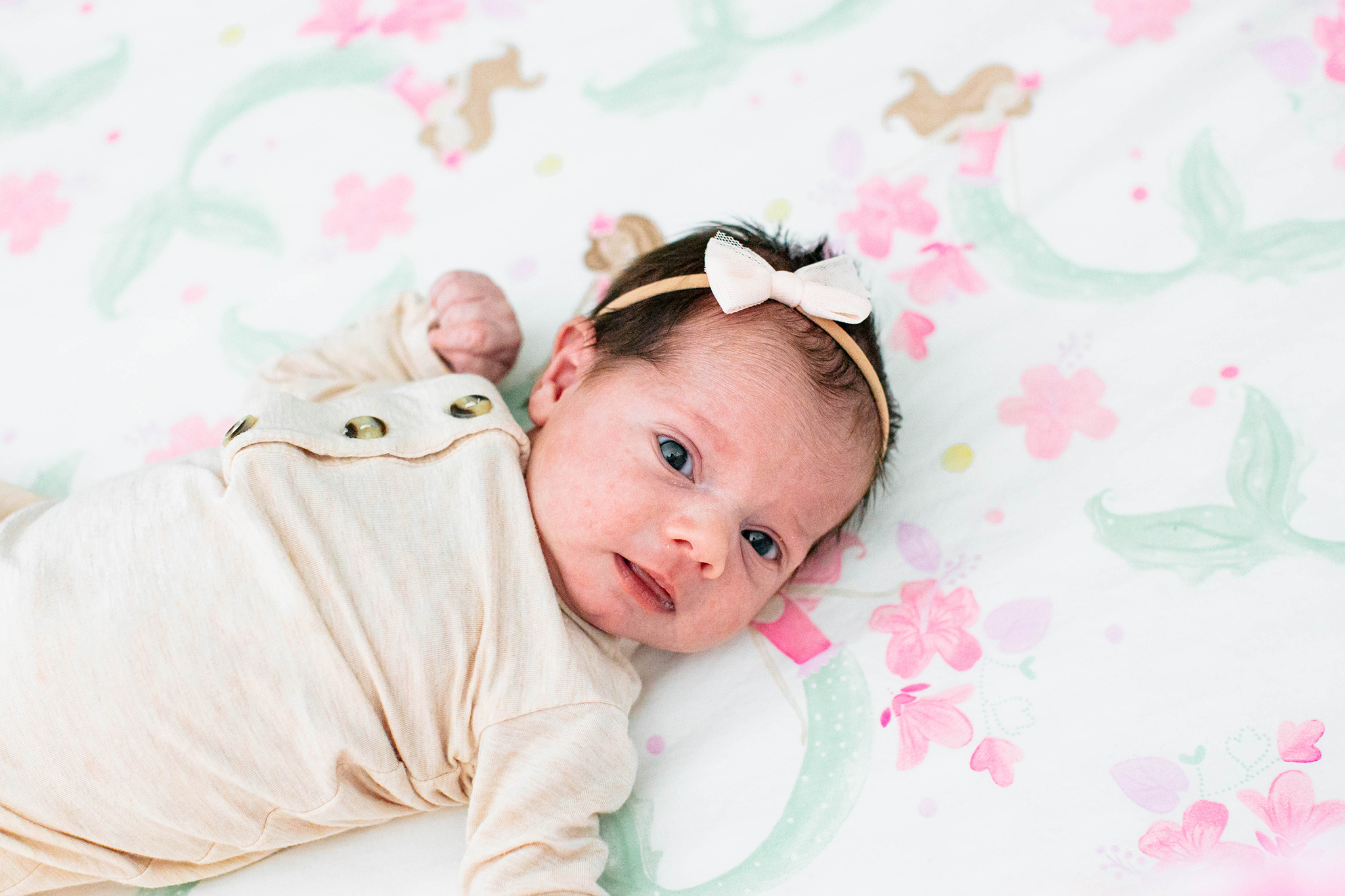 lifestyle newborn photographer.jpg