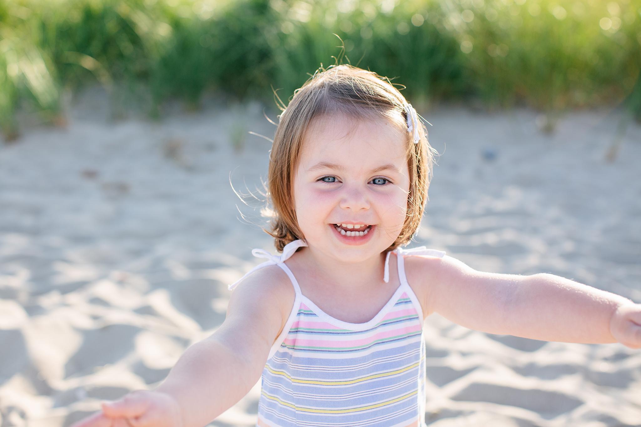 photography by mallory - family beach photos.jpg