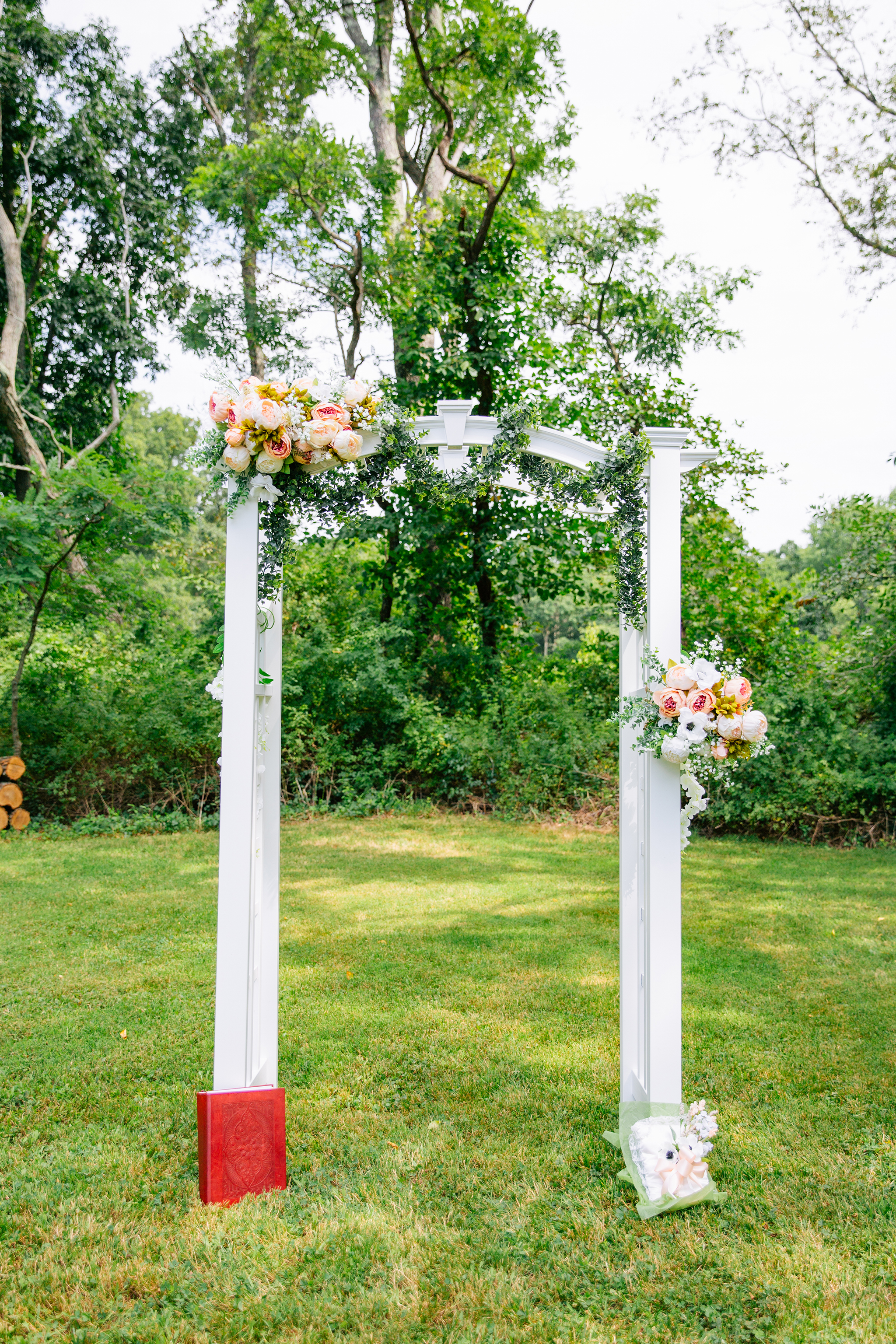 photography by mallory - wedding arch.jpg