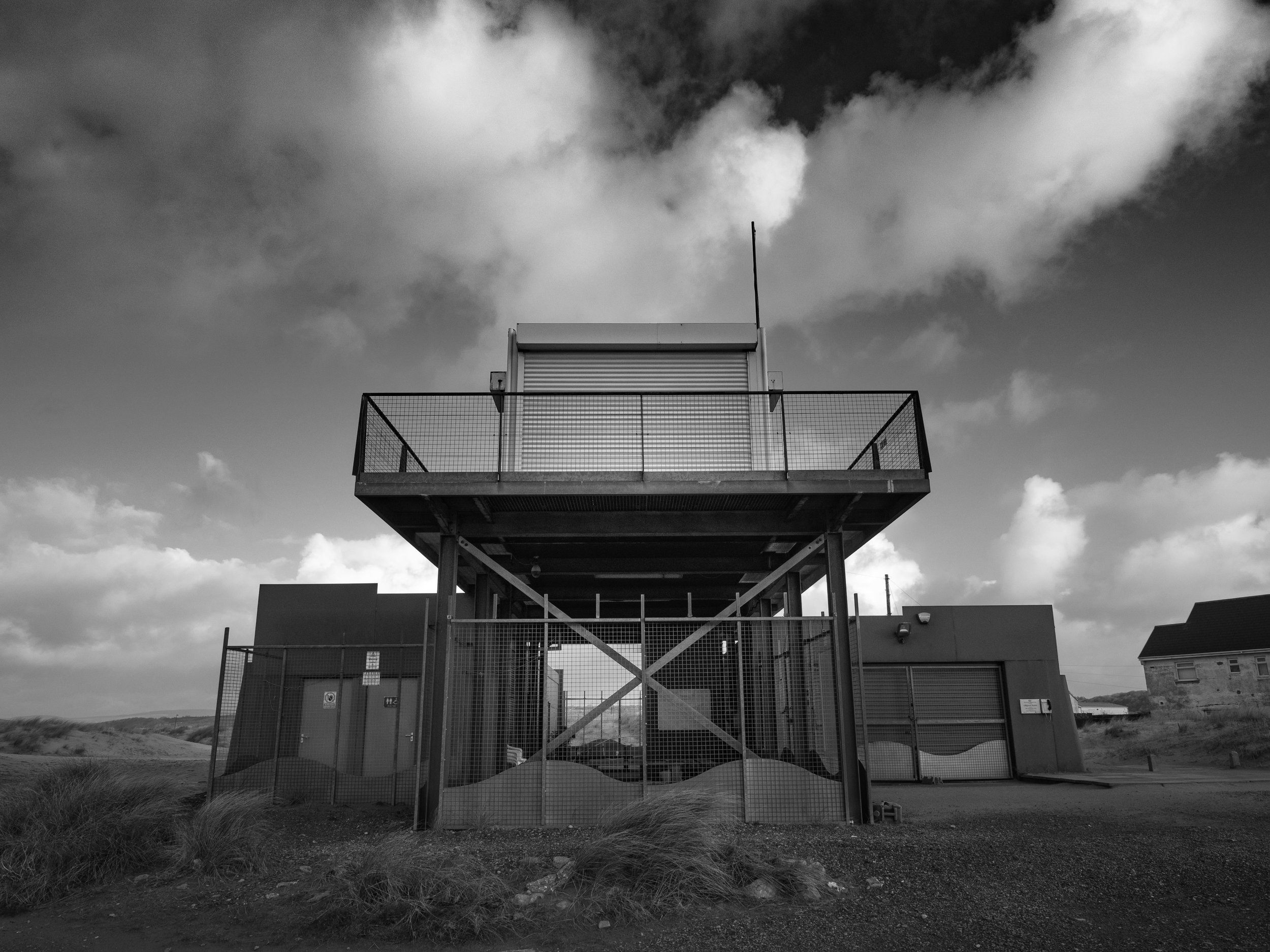 Upgraded lifeguard station and viewing platform