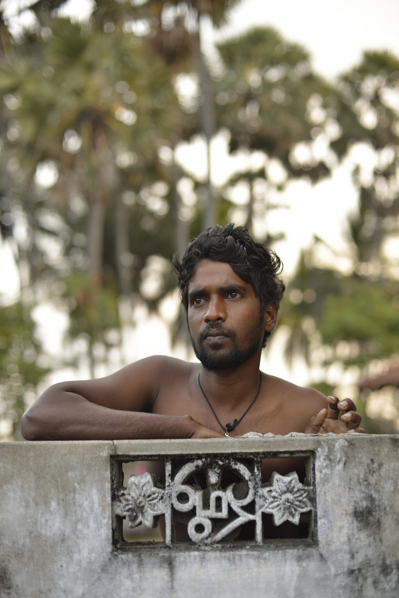 The work is difficult, poorly-paid and dangerous; injuries are common. Sandhuran, 26, gave up tapping because of the dangers. He now works as a construction laborer, one of the few occupations open to members of the Nalavar caste besides tapping.