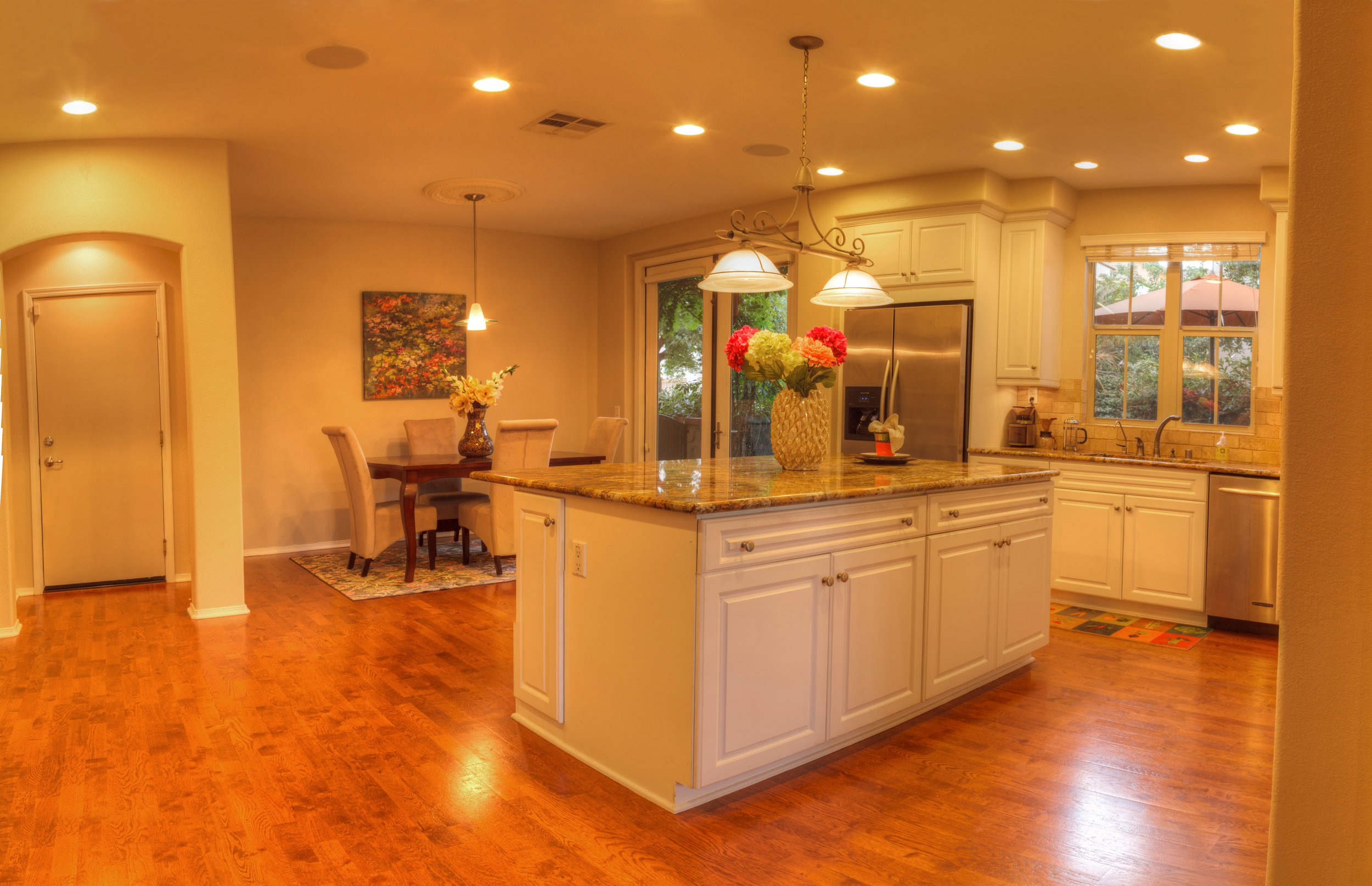 Home Lighting - New Recessed LocationsReplace existing can lighting with newRetrofit existing fixturesUnder Cabinet lightingPendent LightsKitchen renovationsBathroom renovations