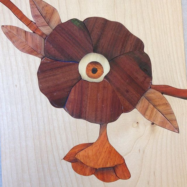 Marquetry @curiouschance @penlandschool #eye #flower #veneer #shopsawn #marquetry