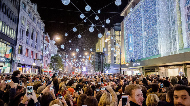 Busy Oxford Street (photo: Time Out London)