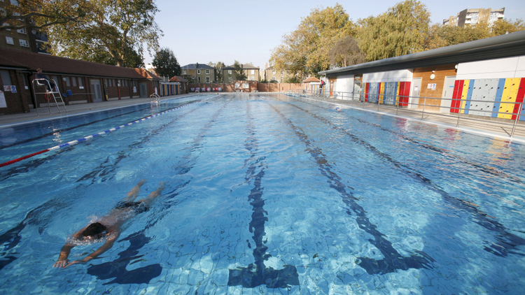 London Fields lido (Source: timeout.com)