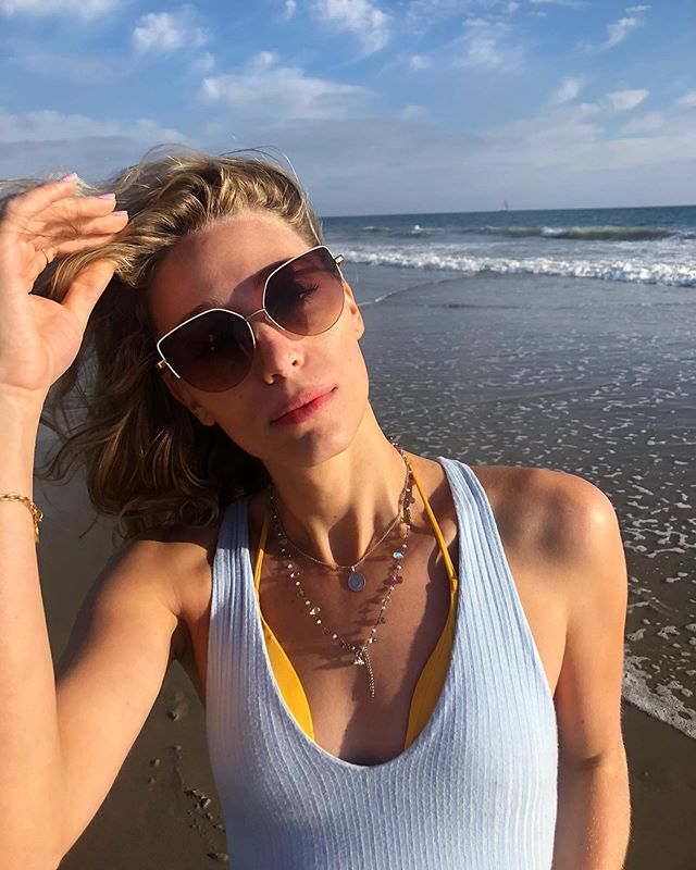 Spending my first day back in LA with two of my best friends on one of my fav beaches was the cherry on top of an incredible week! I'm so so grateful and thankful for the people I love and the life I live. Happy Sunday everyone, remember to focus on and be appreciative for what you do have 🙏🏻🌤🦋🌤🙏🏻 • #transisbeautiful #transandproud #translove #transmodel #lgbtq #beachday #transwoman #mtf #sundayvibes #summervibes
