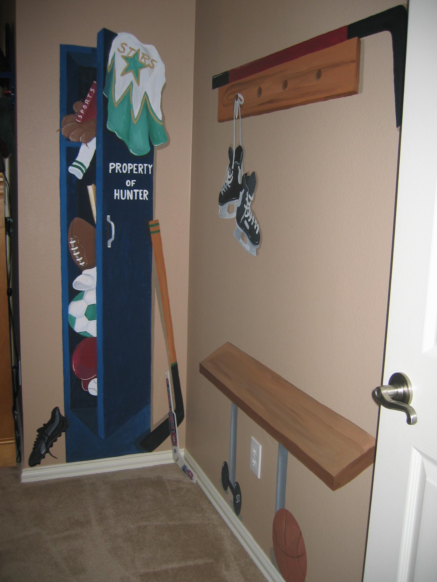 20040427.08.mural.sports.lockerroom.jpg