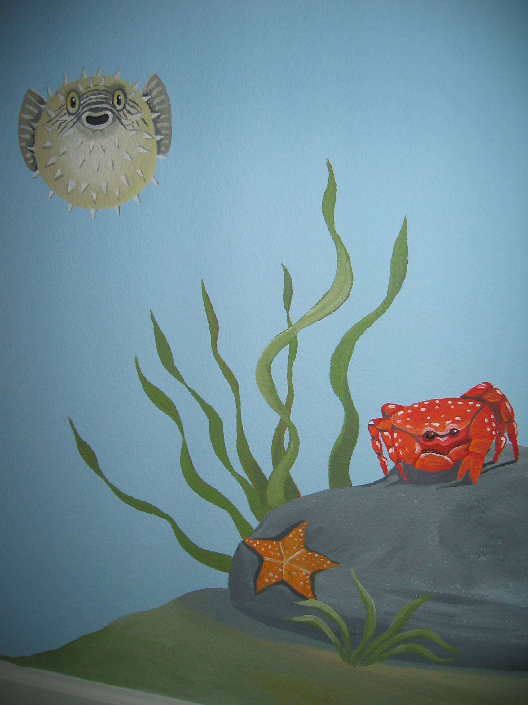 20040525.09.mural.puffer.fish.crab.starfish.jpg