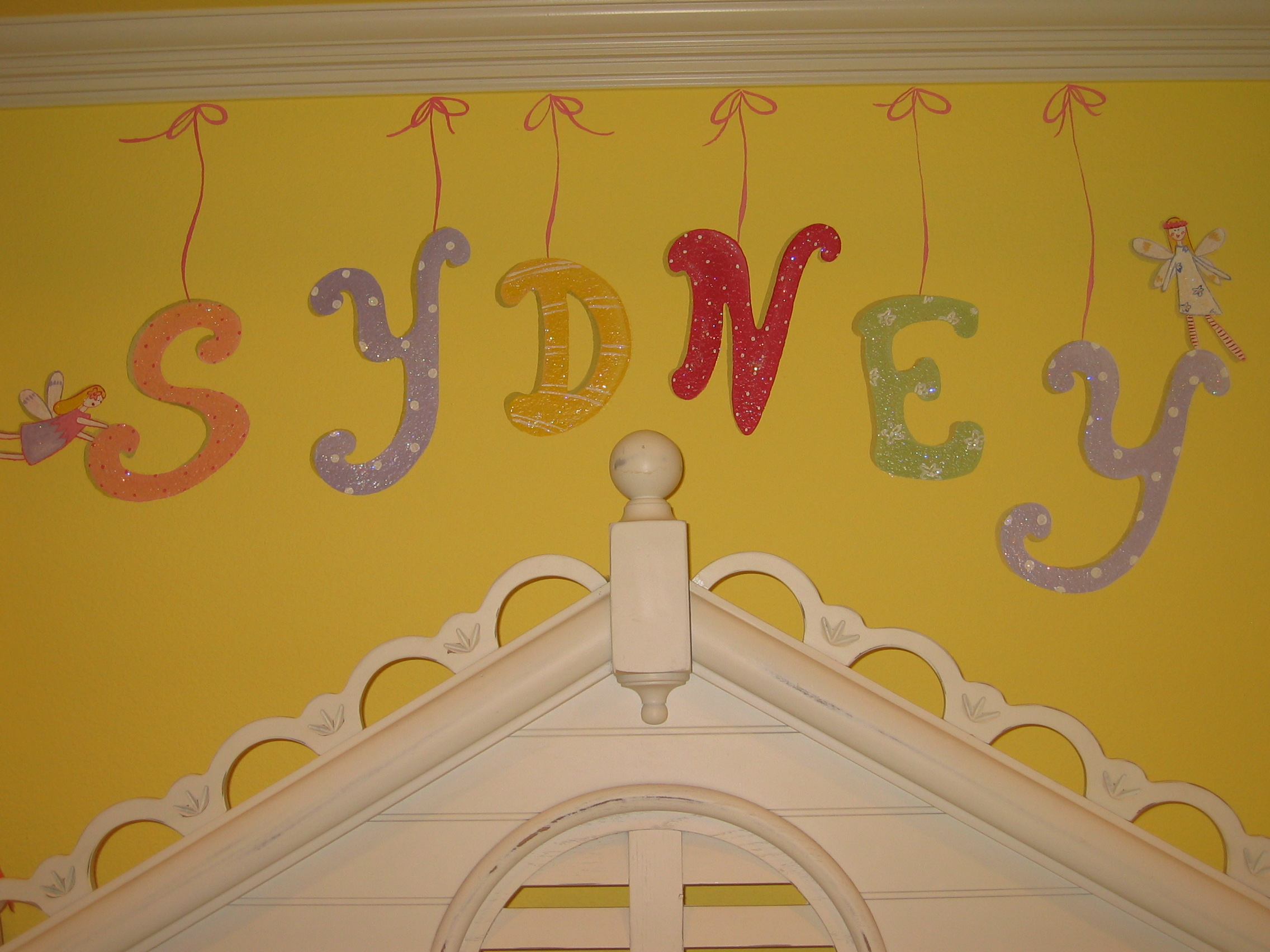20040702.13.mural.sydney.letters.JPG