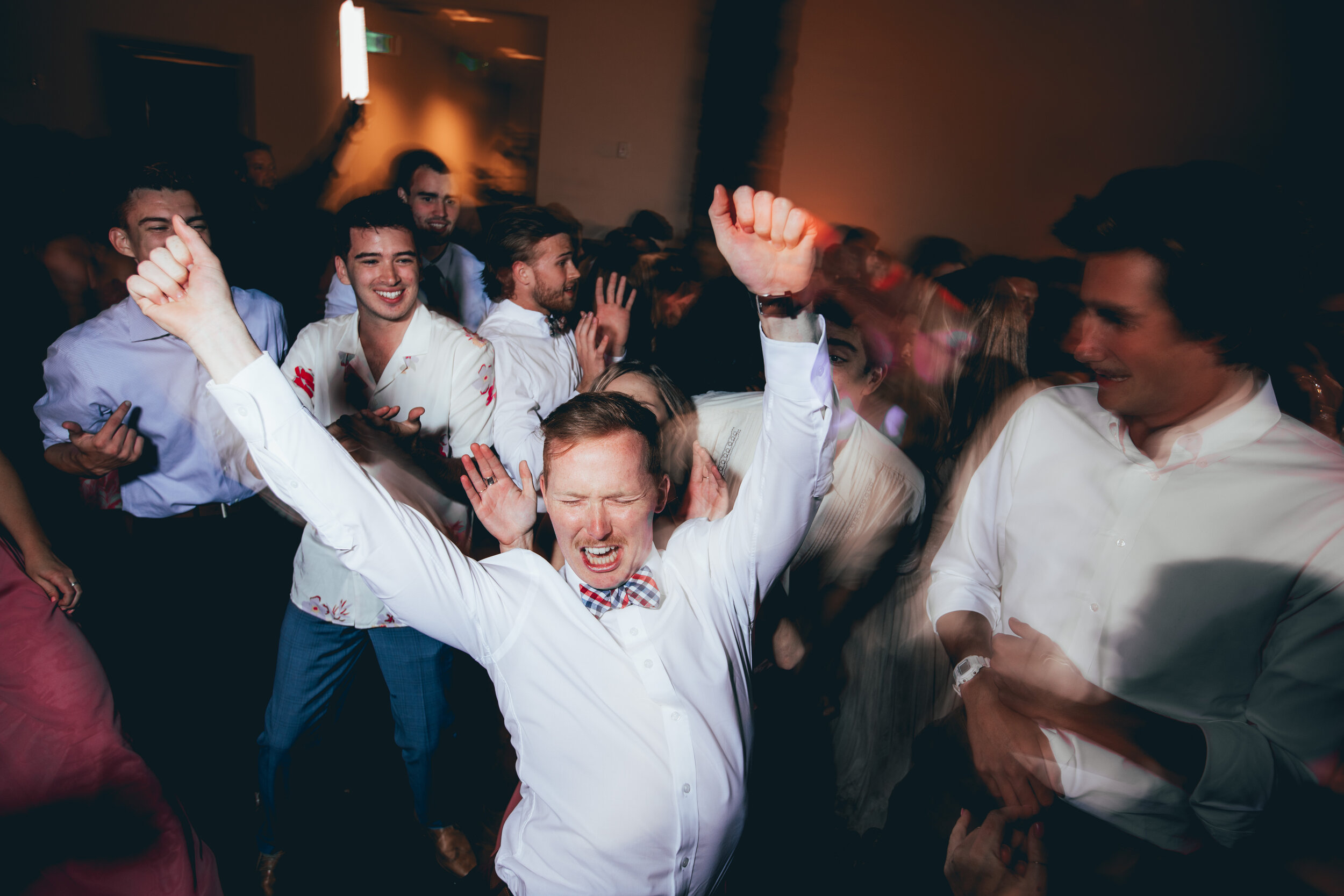 Let 's Dance. - Let's connect and talk more about making your special day perfect.