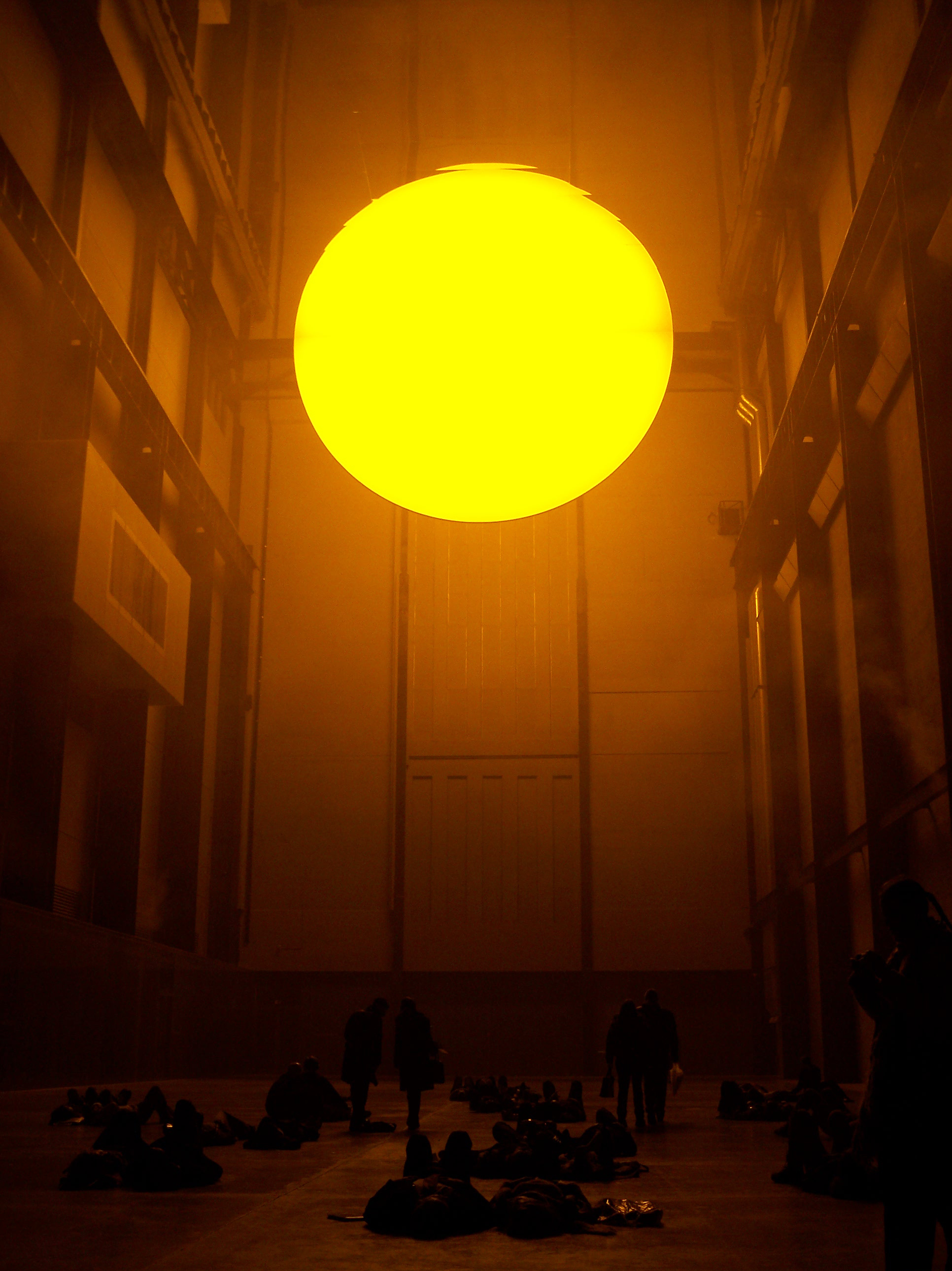 2004_01-08_Olafur-Eliasson_The-Weather-Project-[Tate-Modern]_3_Photograph_James-Bulley.jpg
