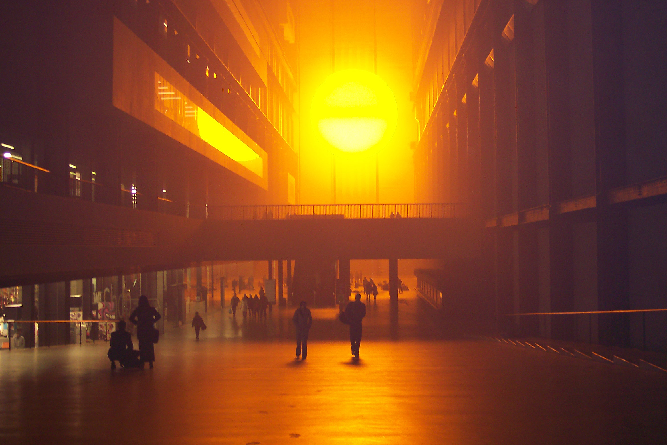 2004_01-08_Olafur-Eliasson_The-Weather-Project-[Tate-Modern]_5_Photograph_James-Bulley.jpg