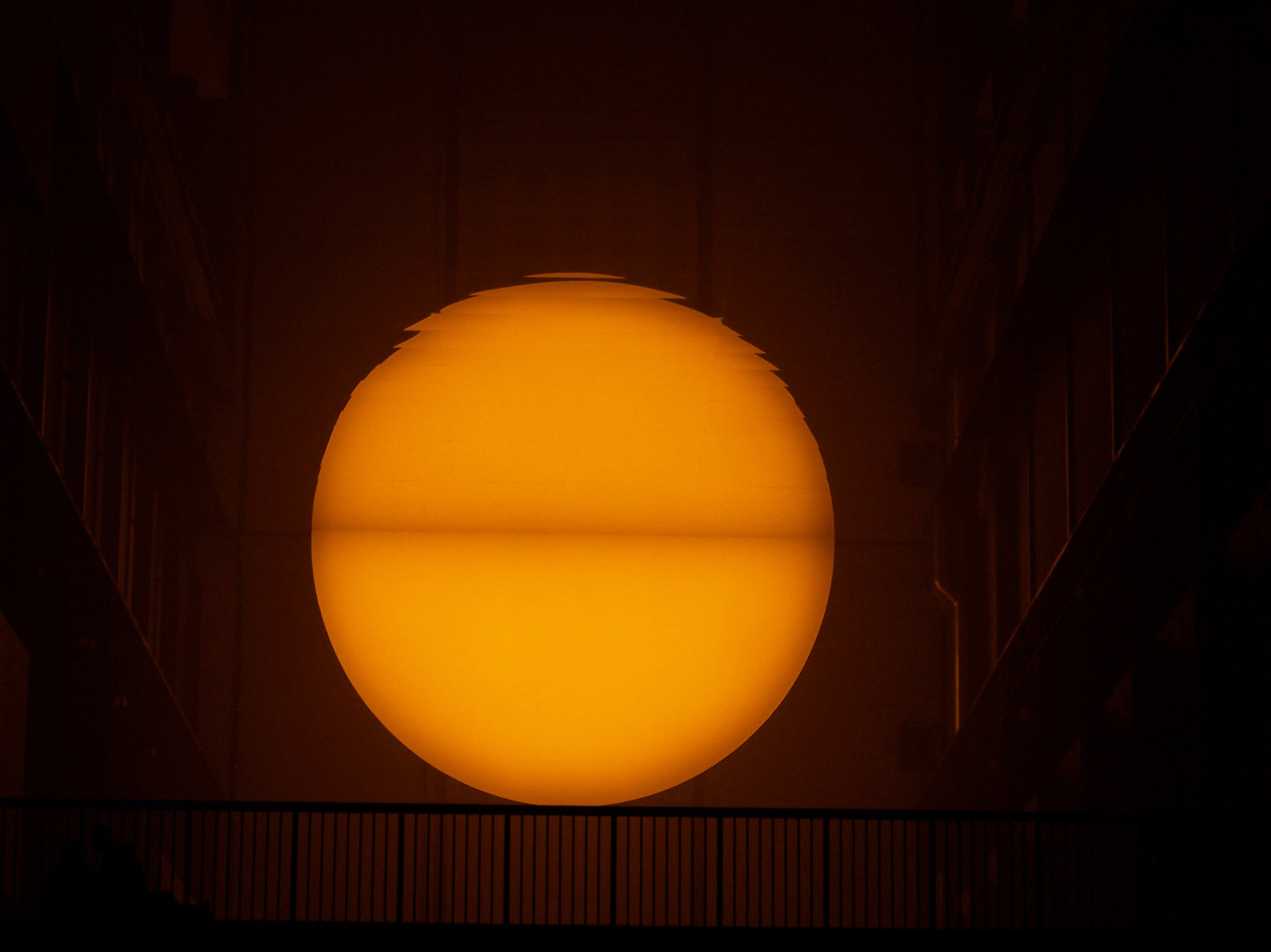 2004_01-08_Olafur-Eliasson_The-Weather-Project-[Tate-Modern]_7_Photograph_James-Bulley.jpg