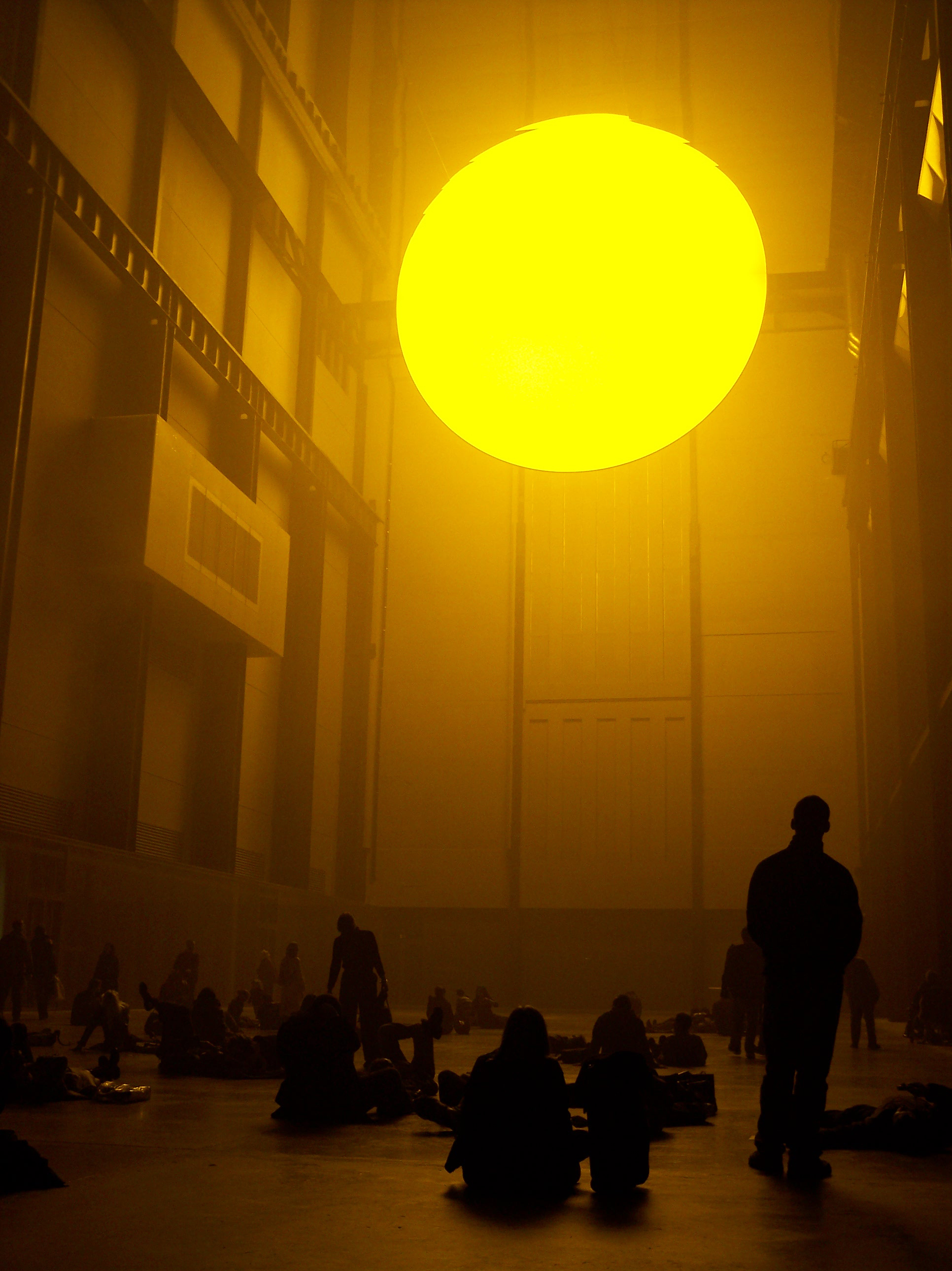 2004_01-08_Olafur-Eliasson_The-Weather-Project-[Tate-Modern]_13_Photograph_James-Bulley.jpg