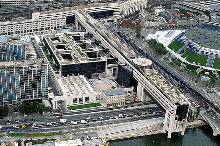 Ministère des Finances Architectes: Paul Chemetov et Borja Huidobro Source:  Lien