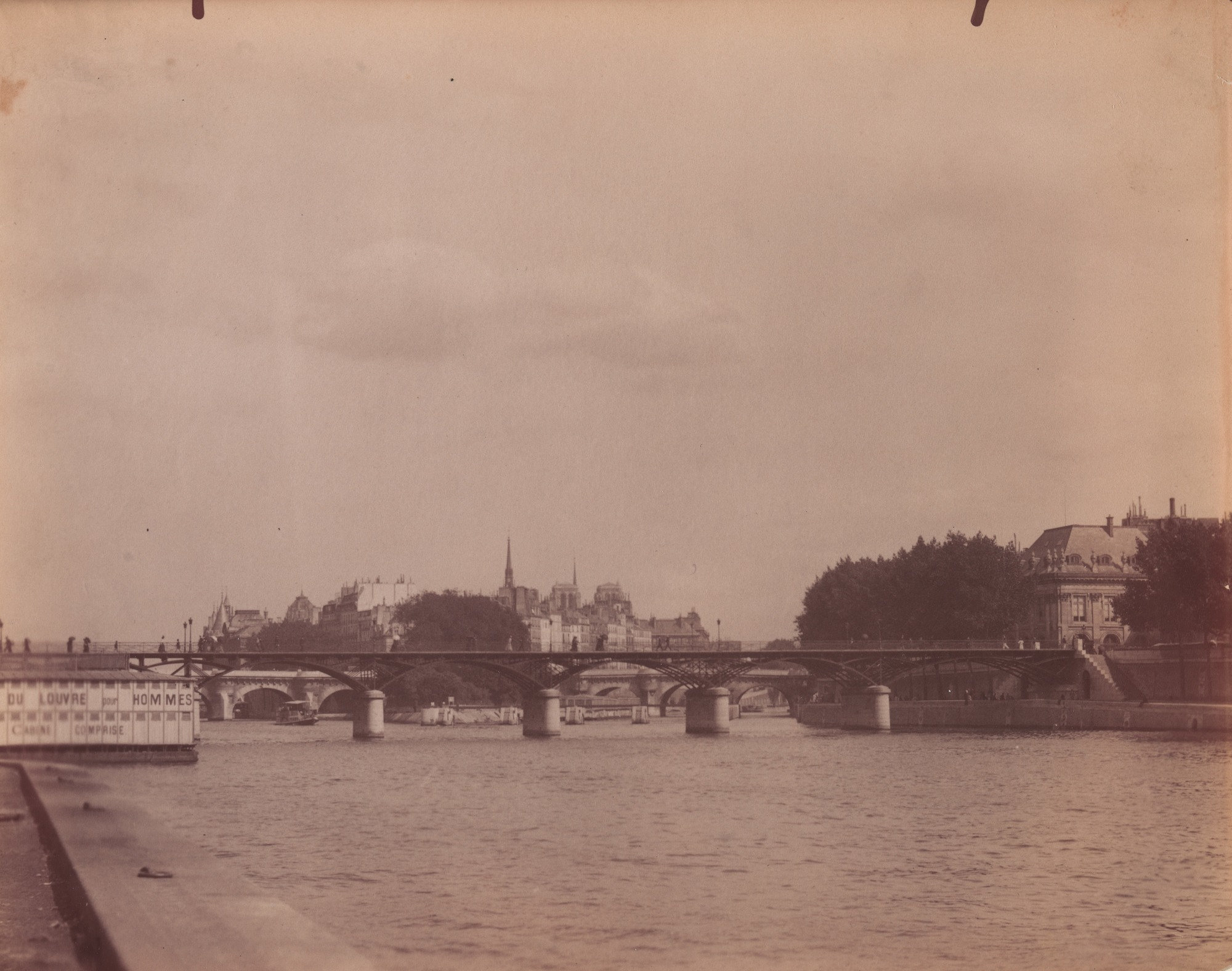 Eugène Atget, Untitled [View of the Seine and the Ile de la Cité]. 1899 Source:  Lien