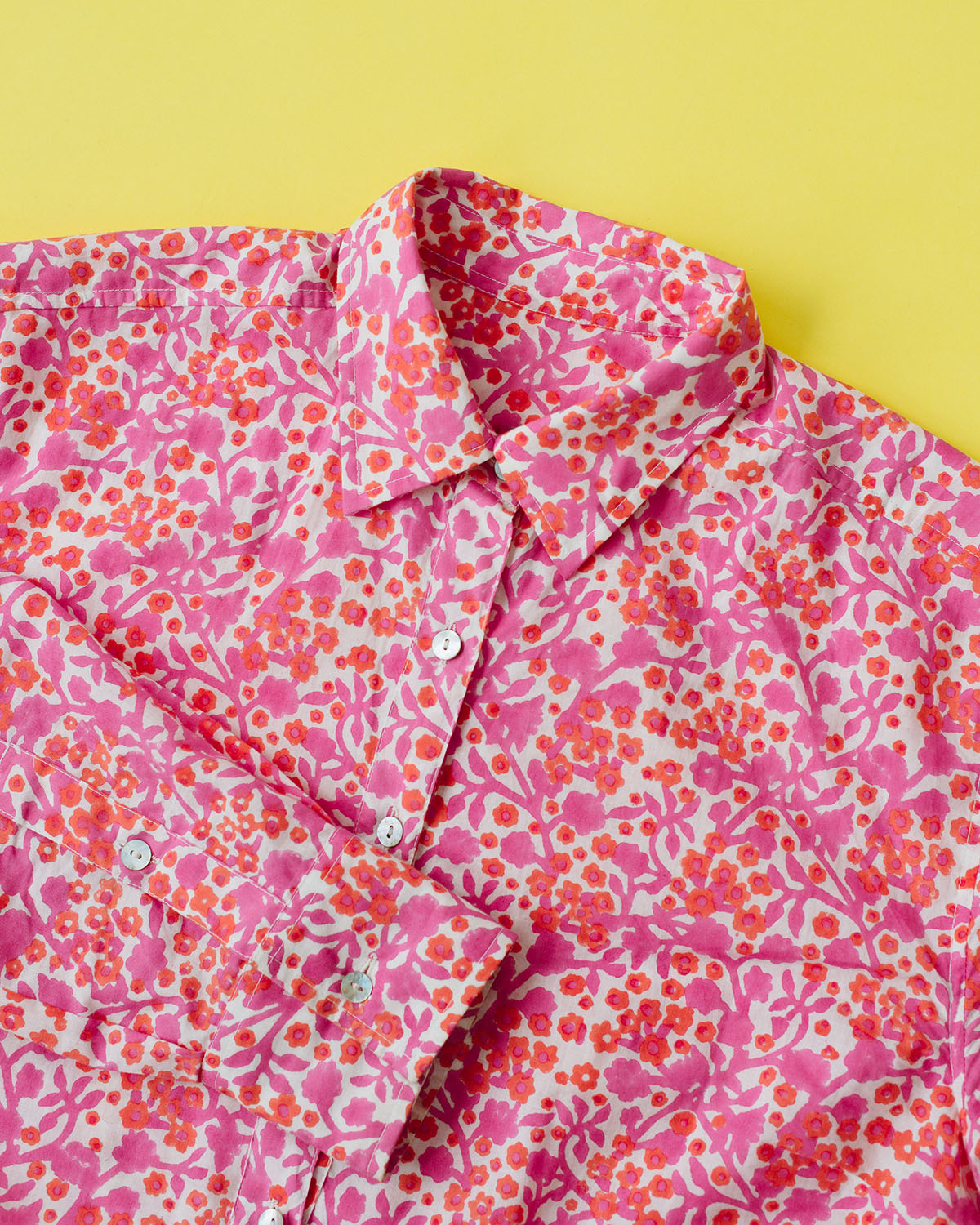 sneak peek at the new sunny cotton voile button down in spring melody print! ♥️💕♥️💕🧡💕🧡💕‼️