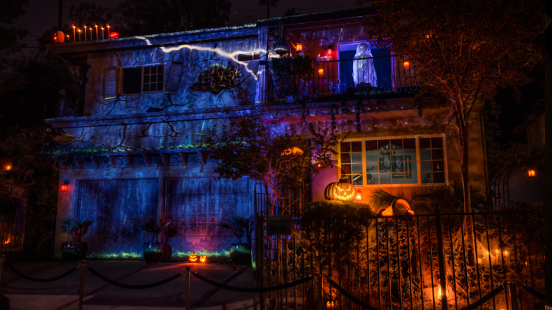 Custom Effects, House at Haunted Hill