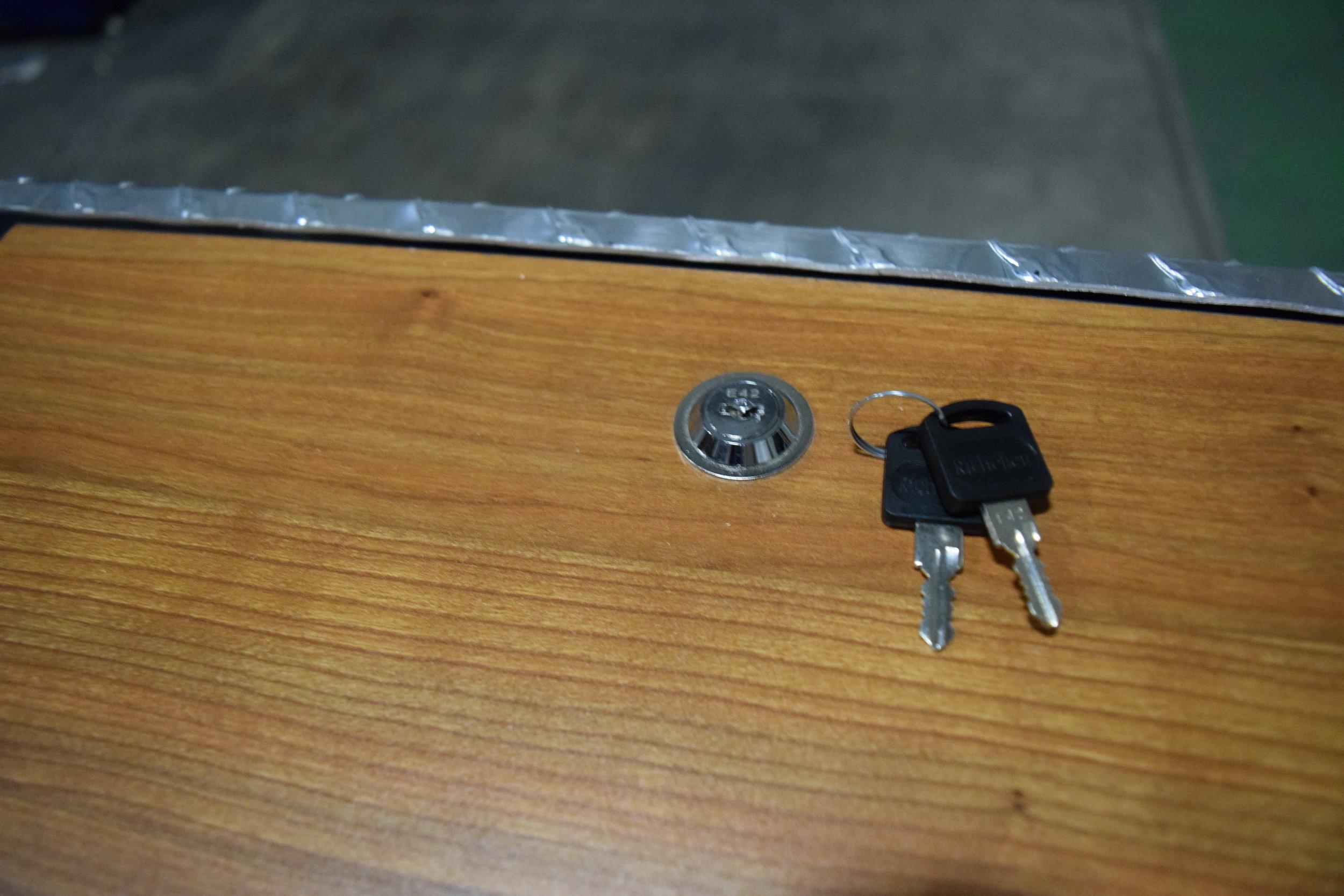 N TV Locking.JPG