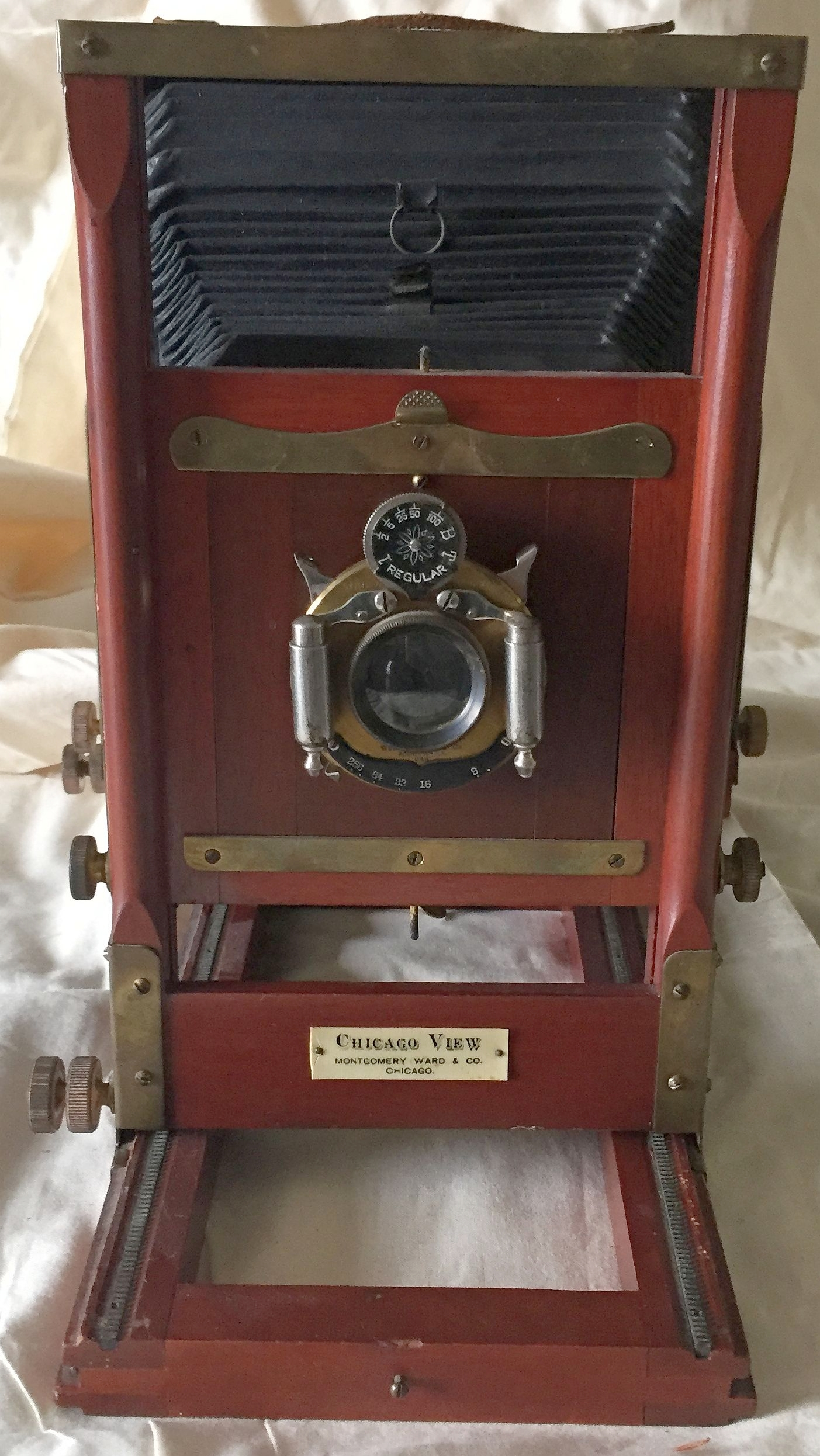 Chicago View Camera, Montgomery Ward and Co., 1905, Gift of Mr. Don Hutchinson, Collection of The Grace Museum
