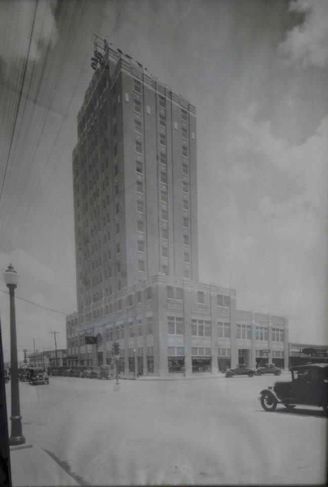 Hotel Settles - 1920s.jpg
