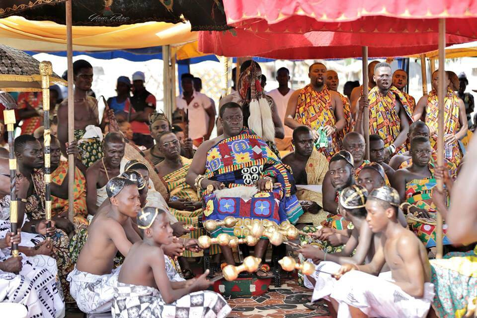 An Nzema Chief sits with his court at the Kundum Festival