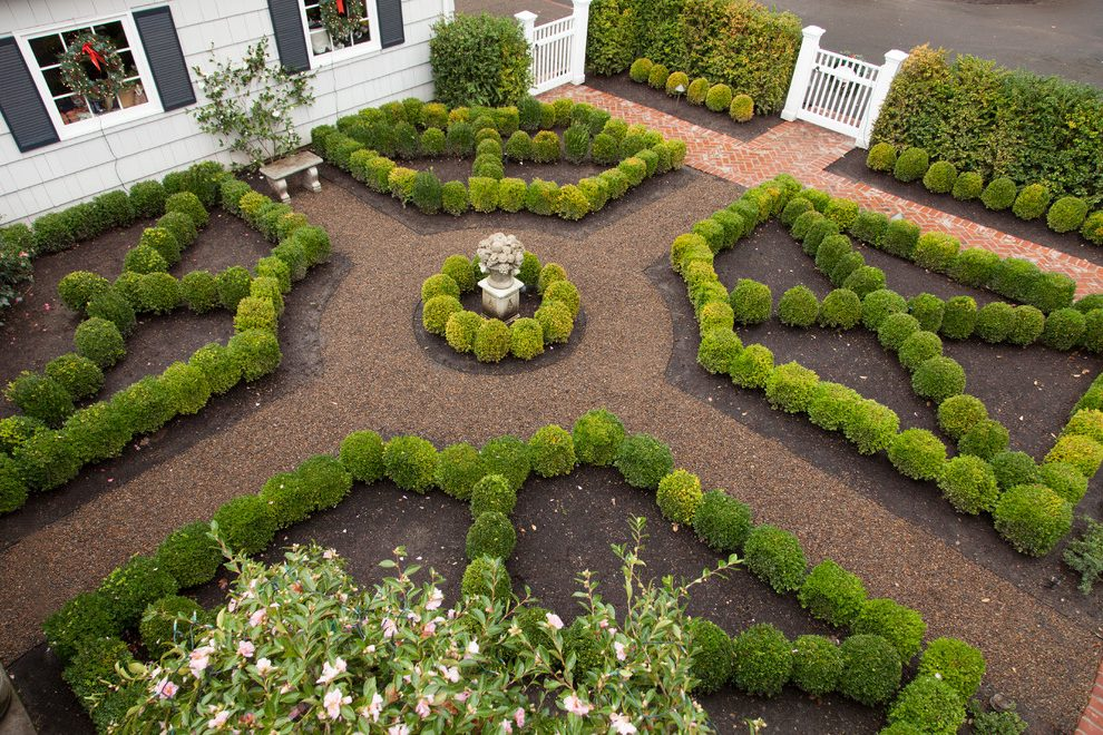 knot-garden-landscape-traditional-with-boxwood-traditional-pruning-tools.jpg