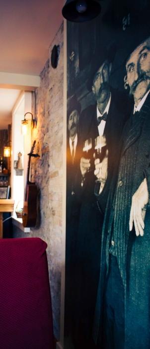 Stagecoach Inn Pub.jpg