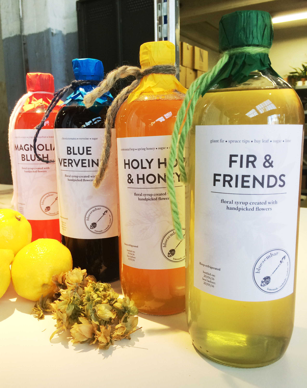 Cocktails & Lemonades - Bloesembar is een professionele cocktailbar met heerlijk geurende bloemen, kruiden, zaden en bladeren aan de basis van alle dranken,die in bescheiden hoeveelheden met de hand geplukt worden door Maidie.