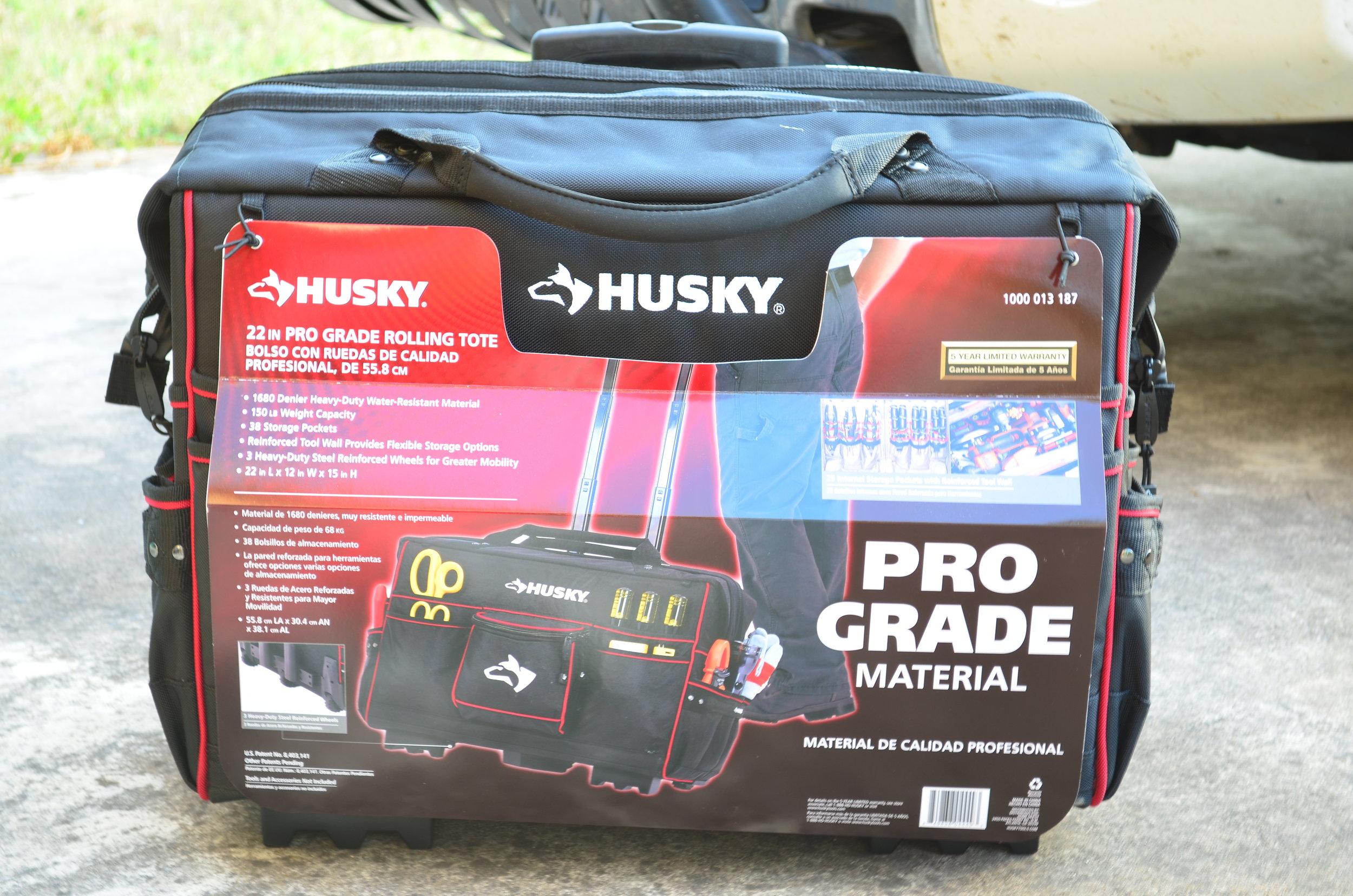 husky-22-inch-rolling-tote-tool-bag