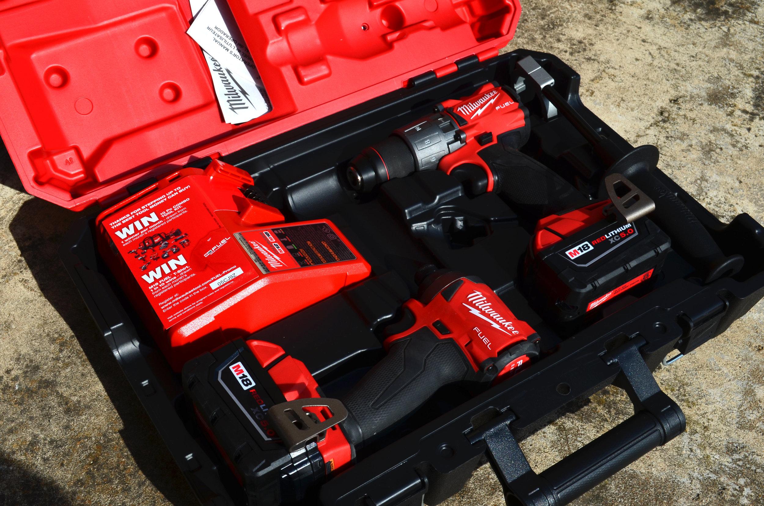 milwaukee-18v-fuel-hammer-drill-impact-driver-combo-kit