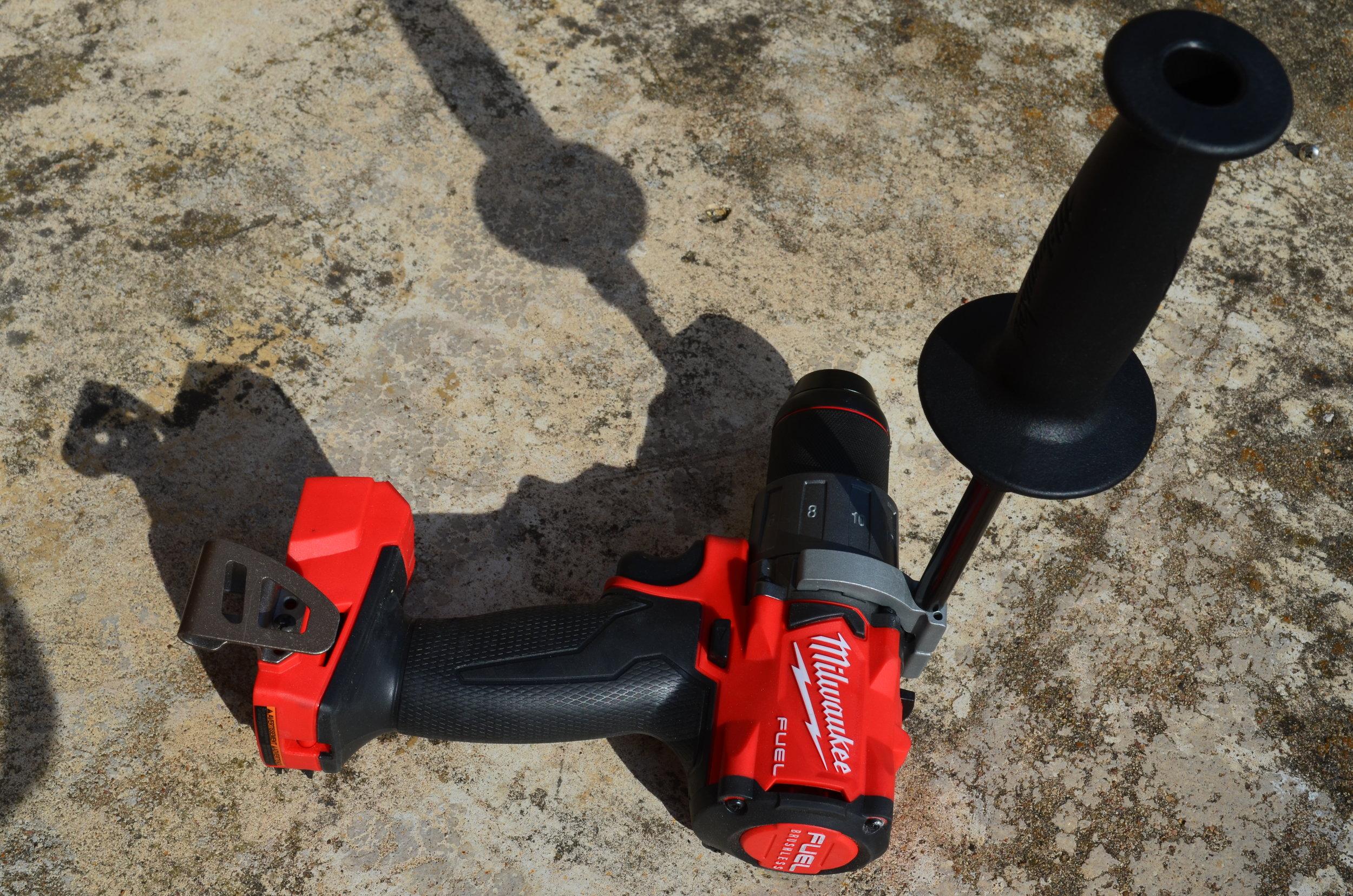 milwaukee-18v-fuel-brushless-hammerdrill-impact-driver-combo-kit