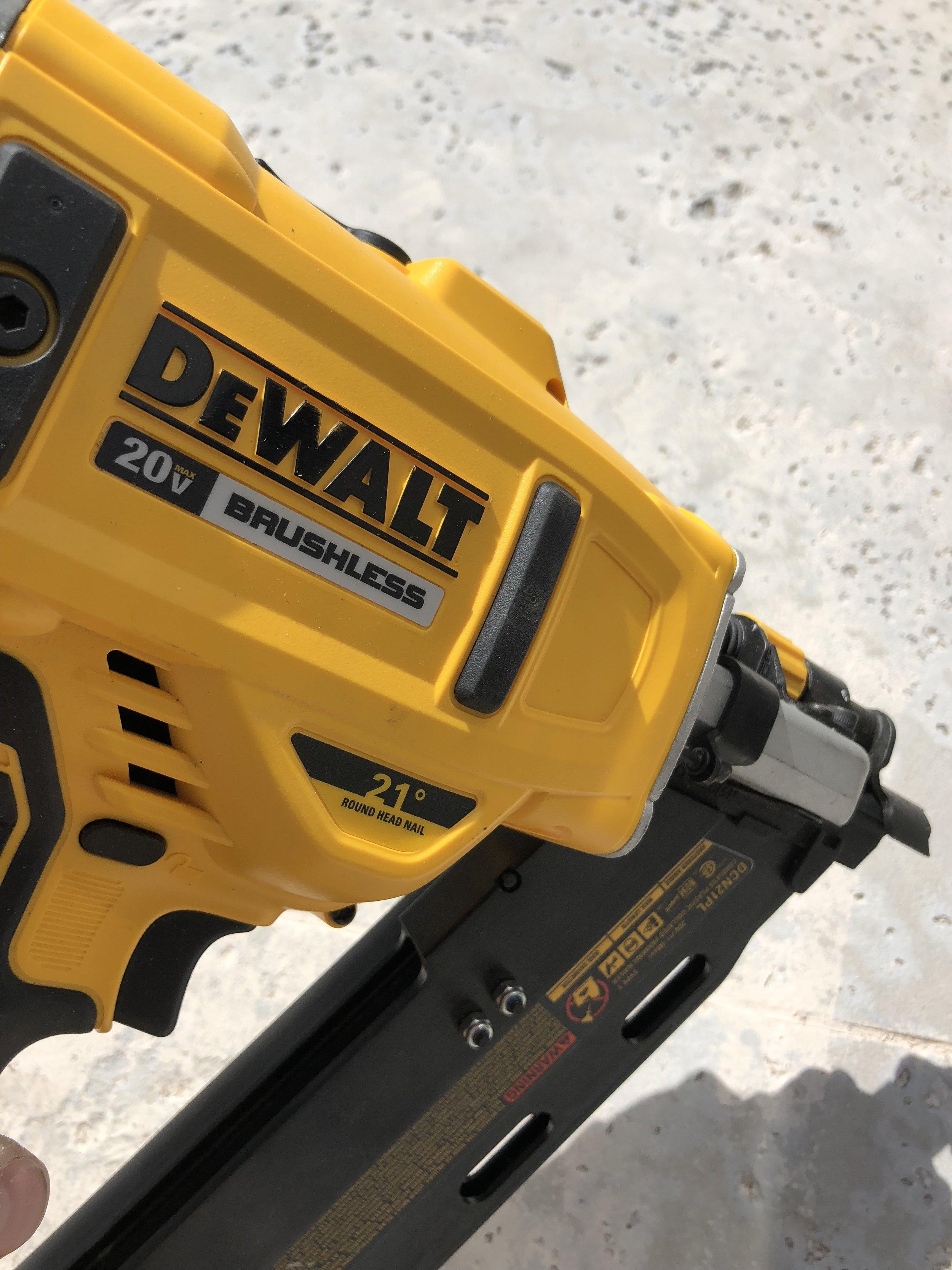 dewalt-21-degree-cordless-brushless-framing-nailer