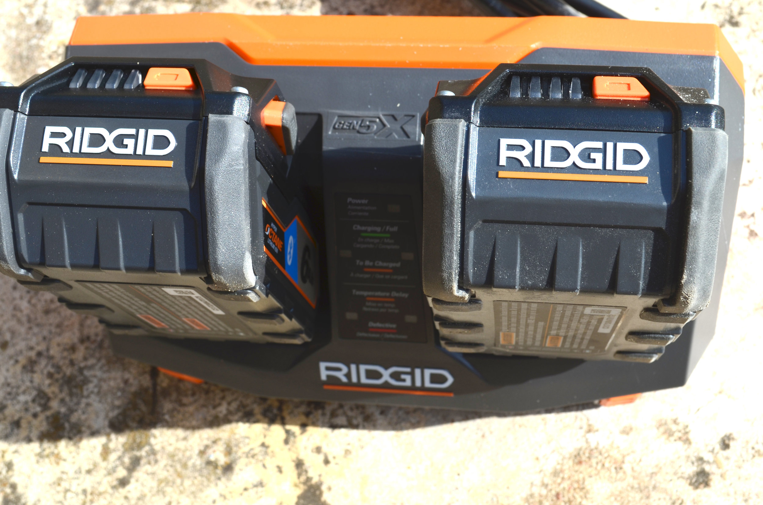 ridgid-dual-charging-battery-charger