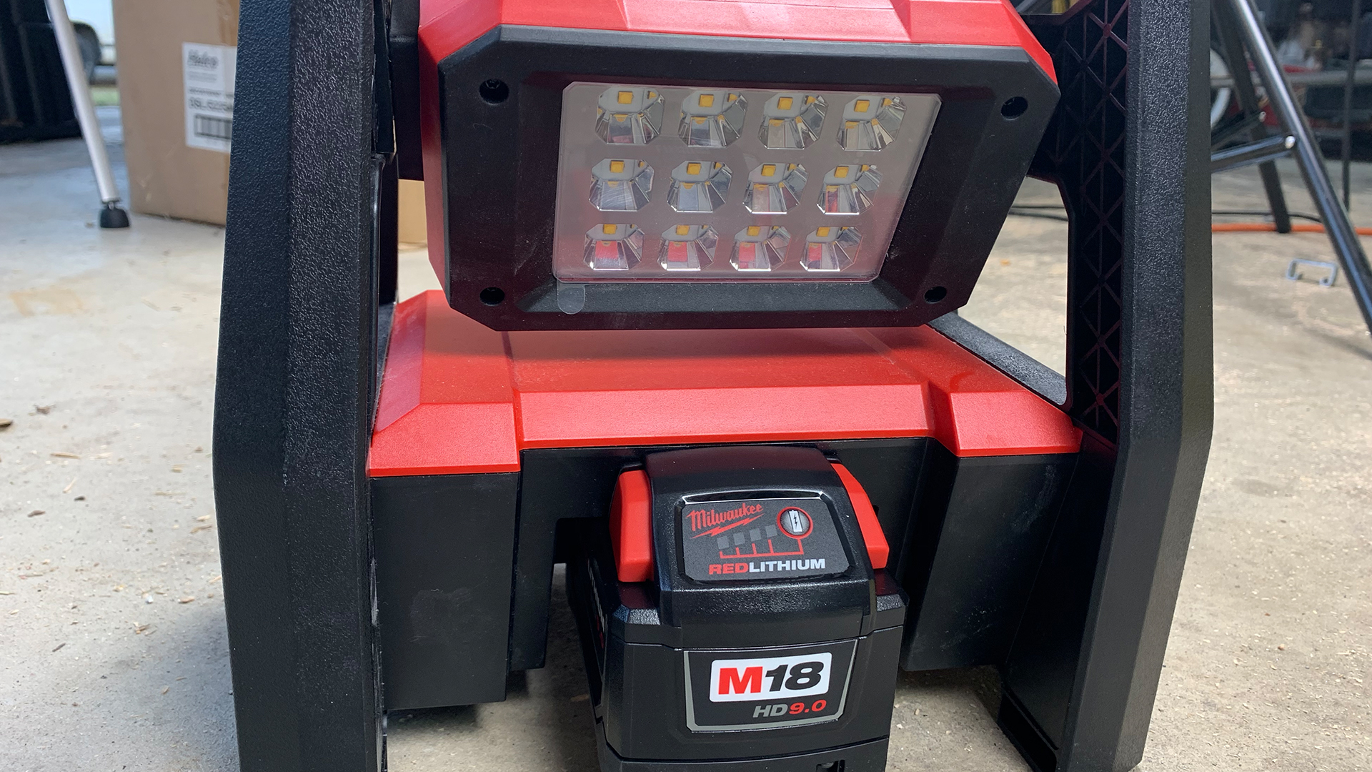 milwaukee-rover-jobsite-led-flood-light-m18