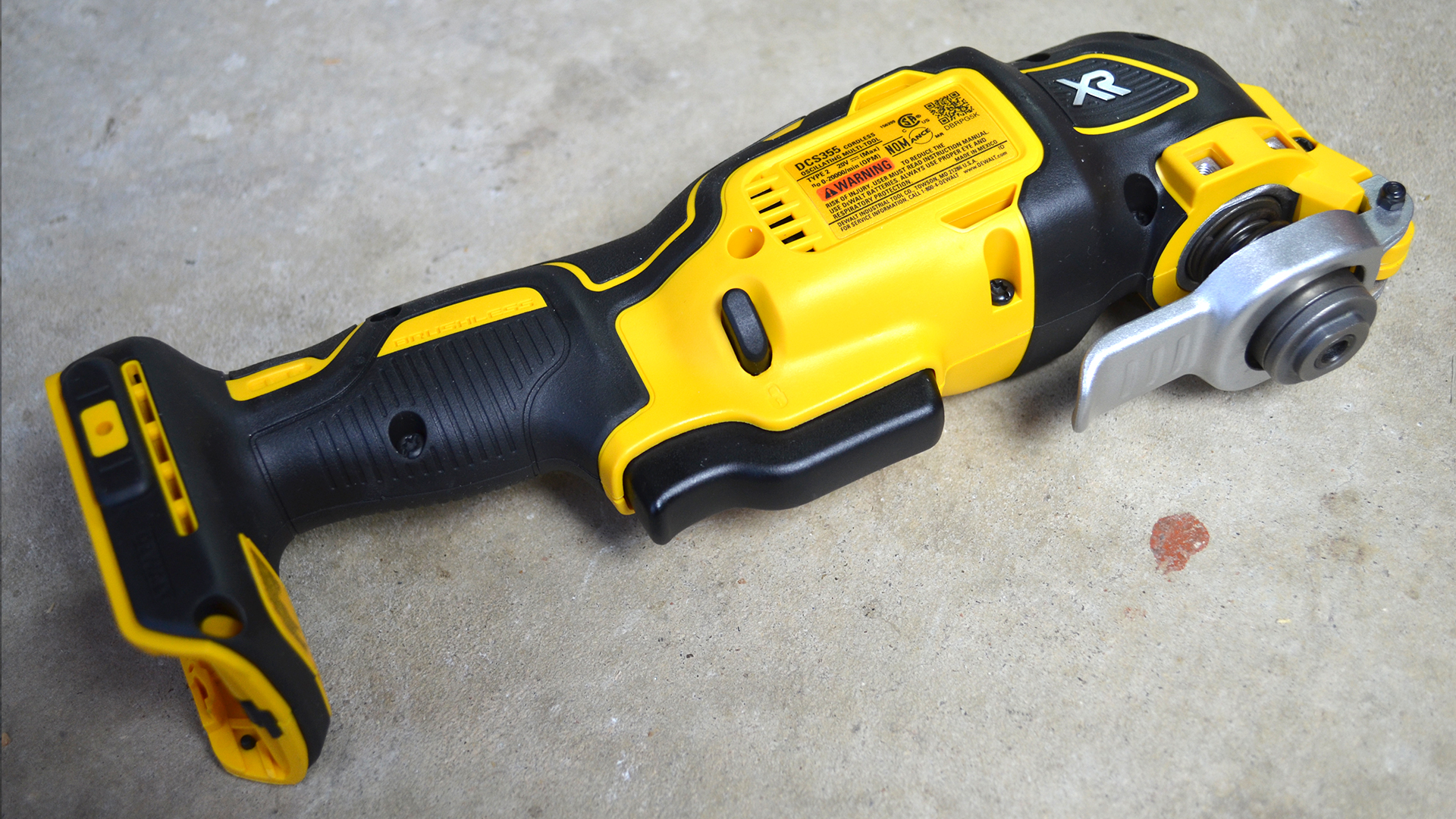 DeWalt-3-Tool-20v-MAX-Cordless-Combo-Kit-oscillating-cutting-tool