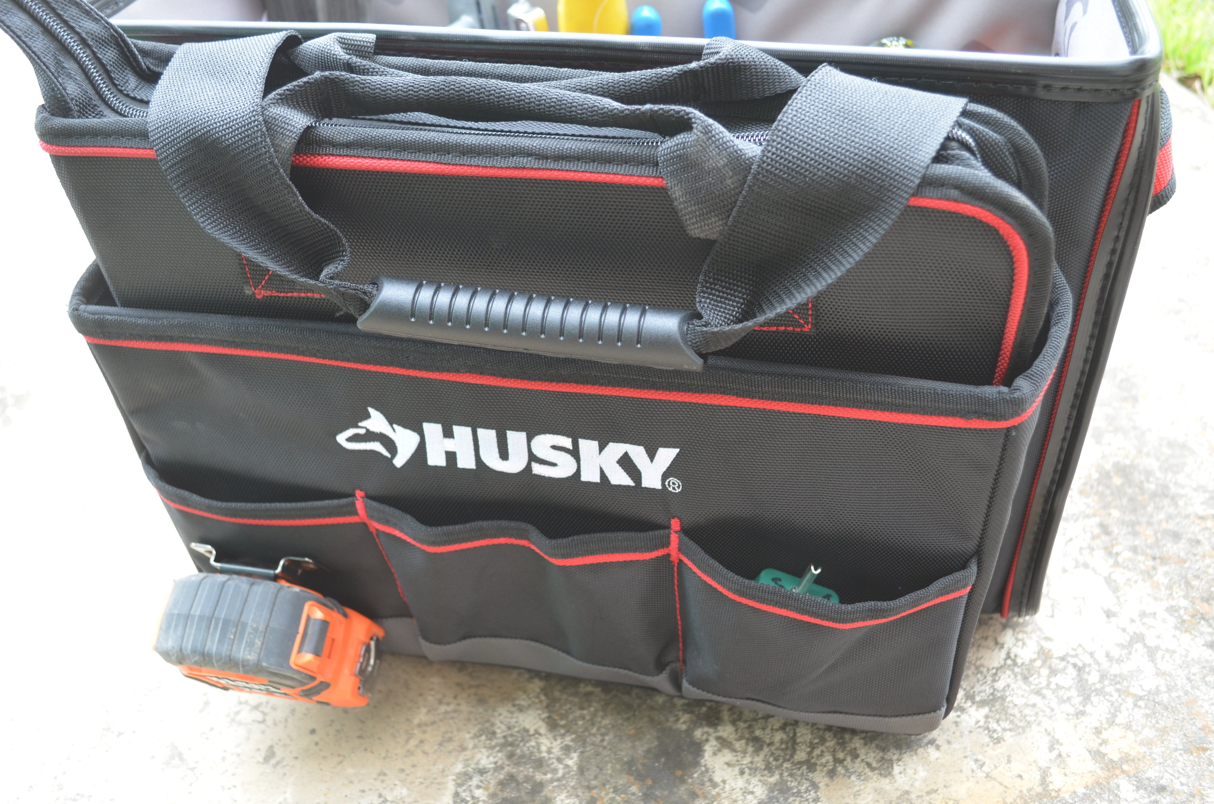husky-19-inch-pro-hybrid-tote-with-tool-organizer-front